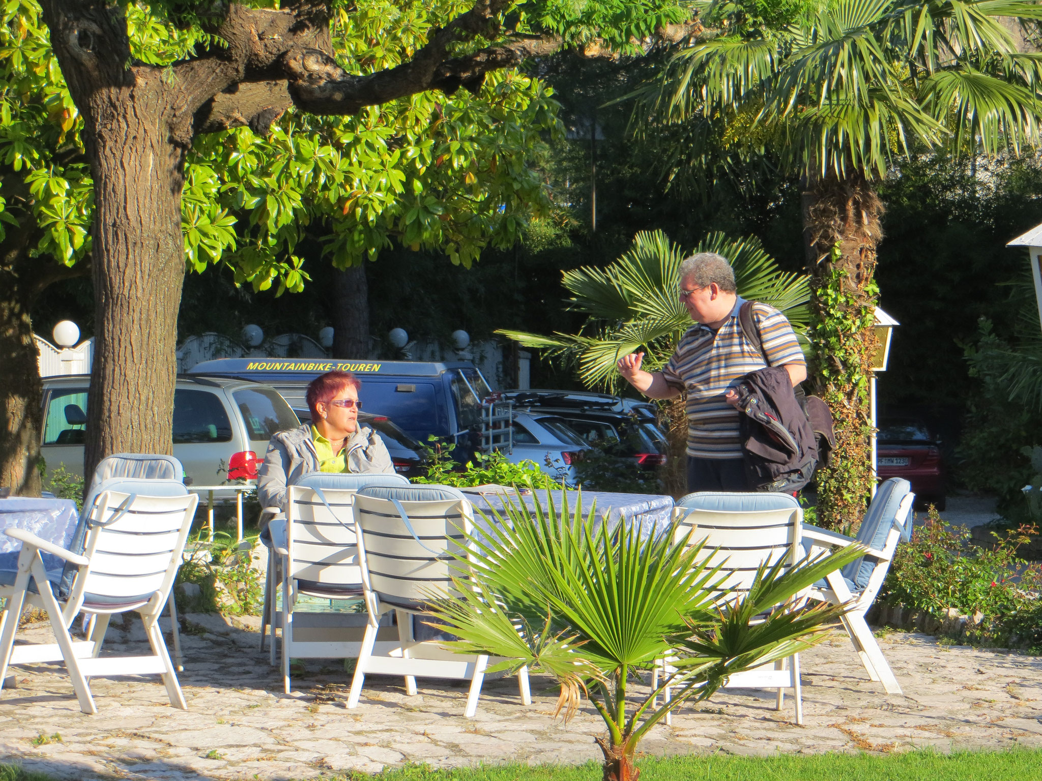 "Im Garten des Hotels "" Piccolo Mondo"""