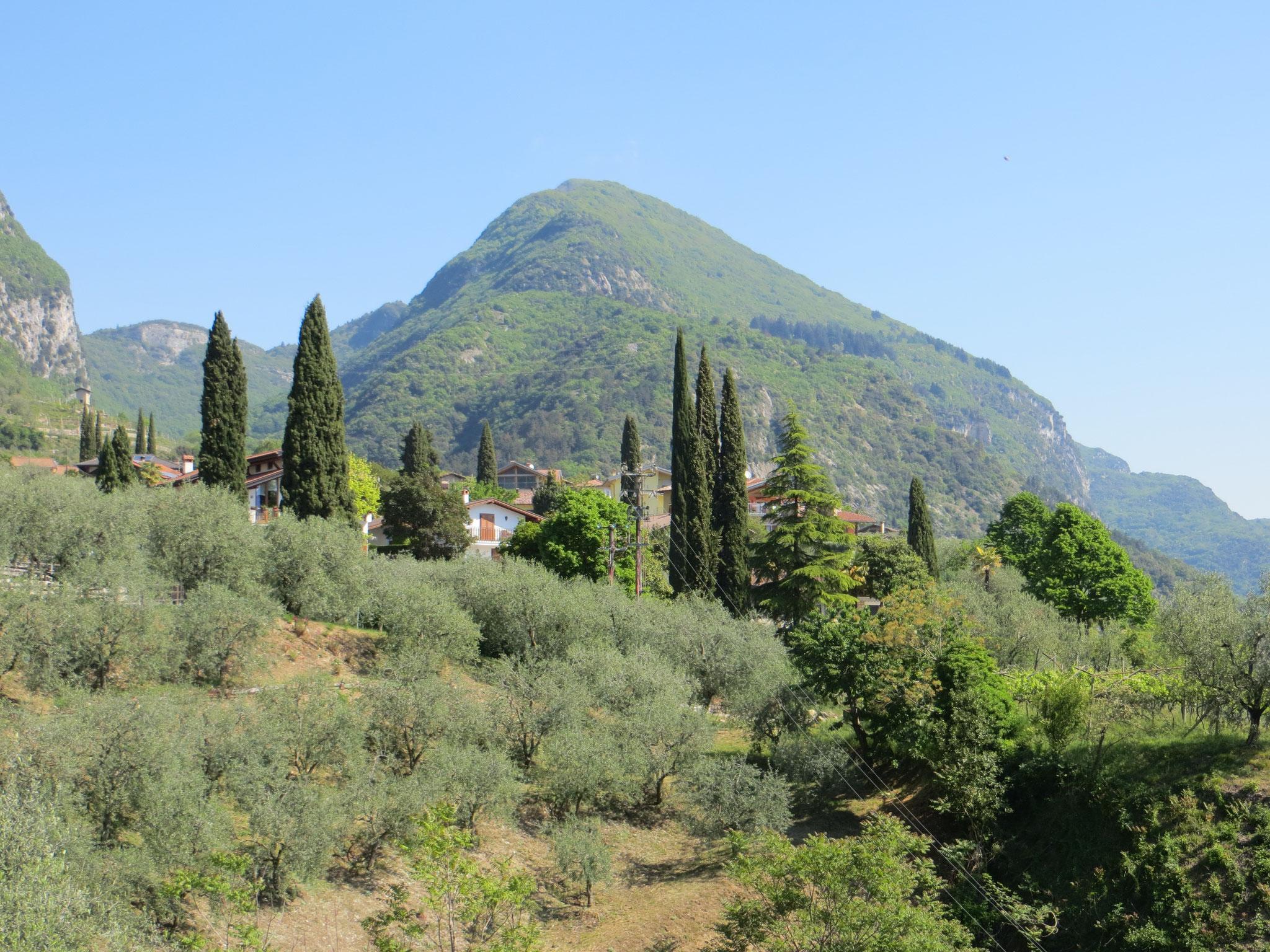 Traumhafte Kulisse bei der Fahrt zum Lago di Tenno