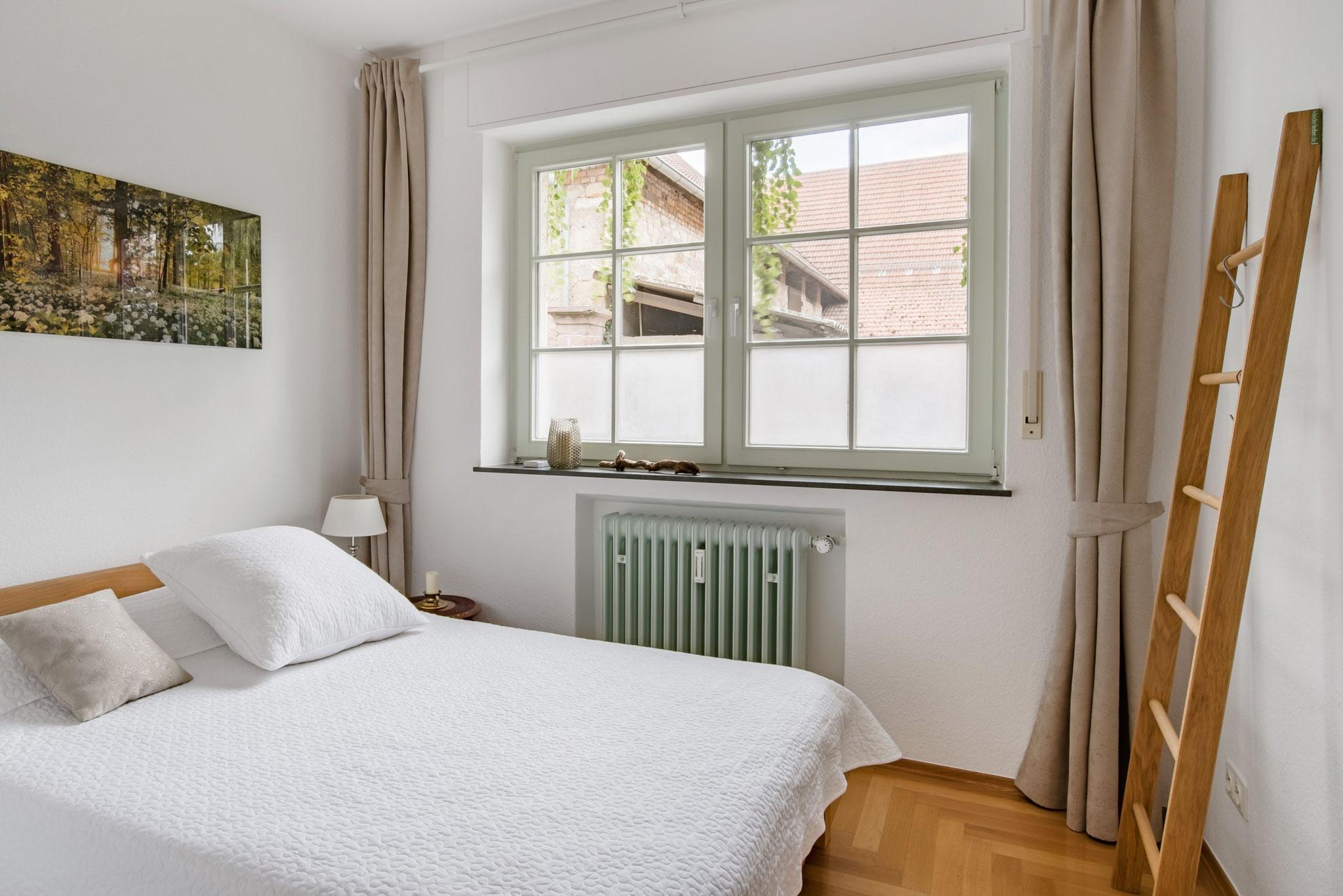 """Schlafzimmer mit """"Kleiderleiter"""""""