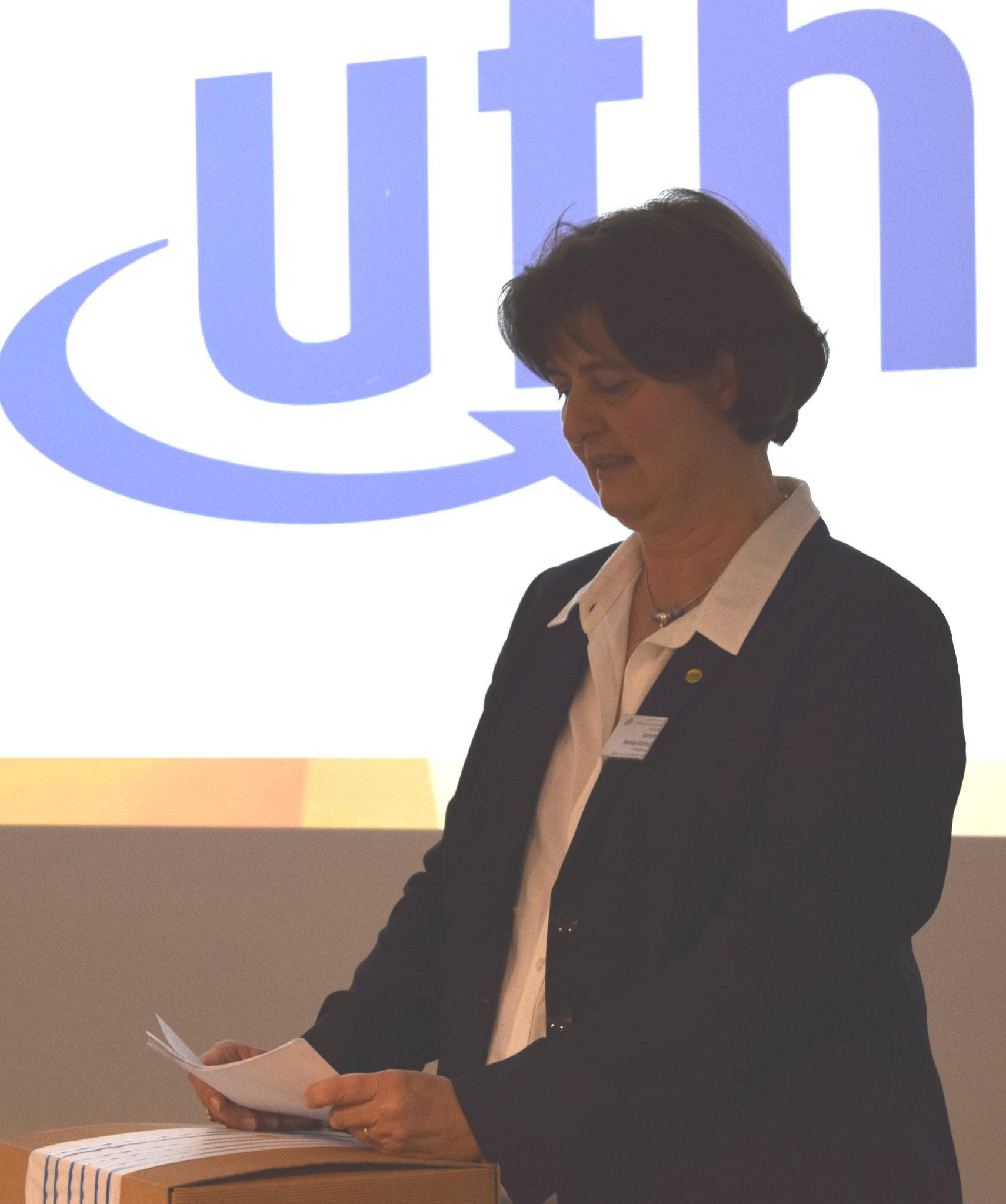 01-18 JHV Begrüssungsrede  Annette Hermes-Schmid