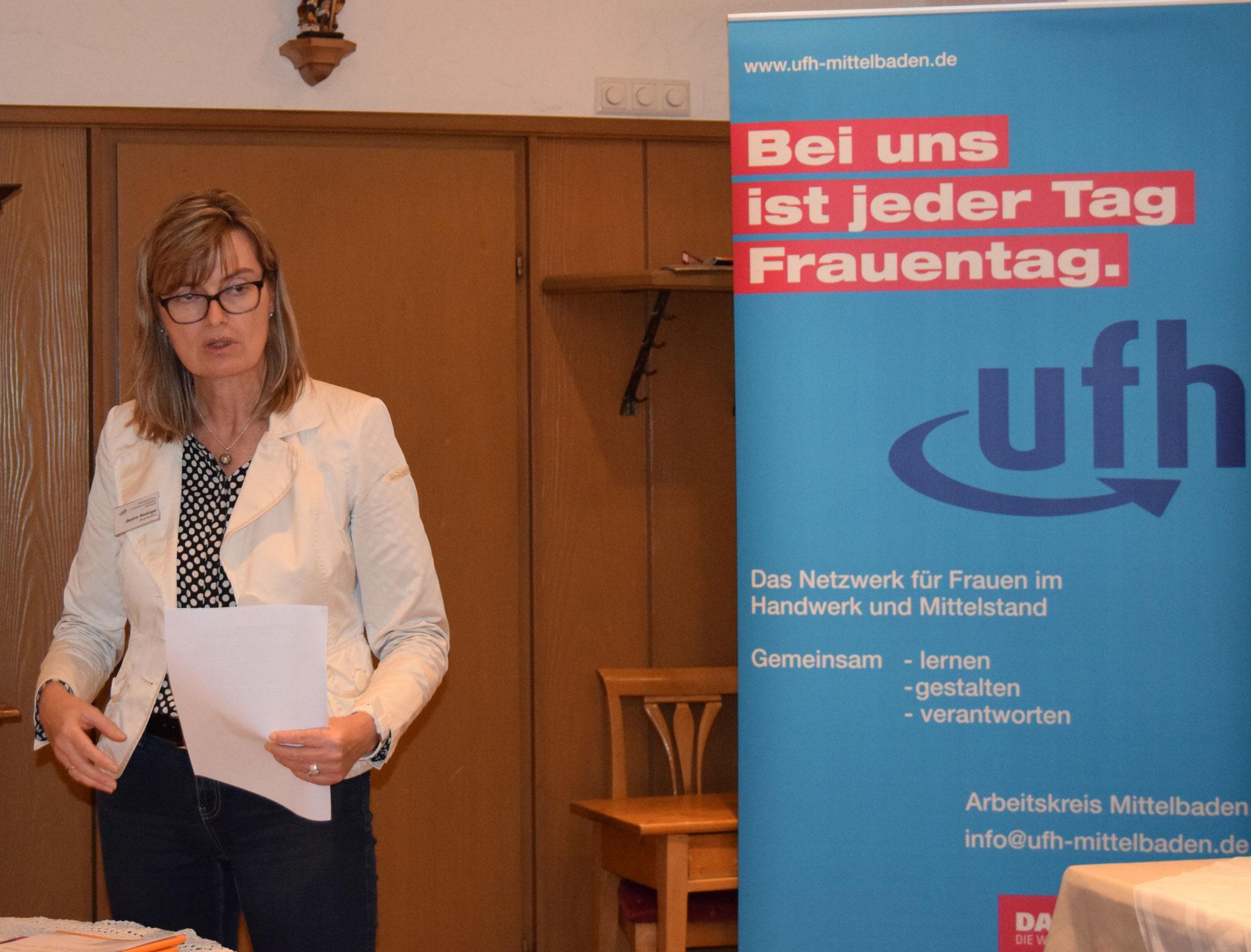 10-17 Aktuelles aus dem Steuerrecht mit Beatrix Riedinger