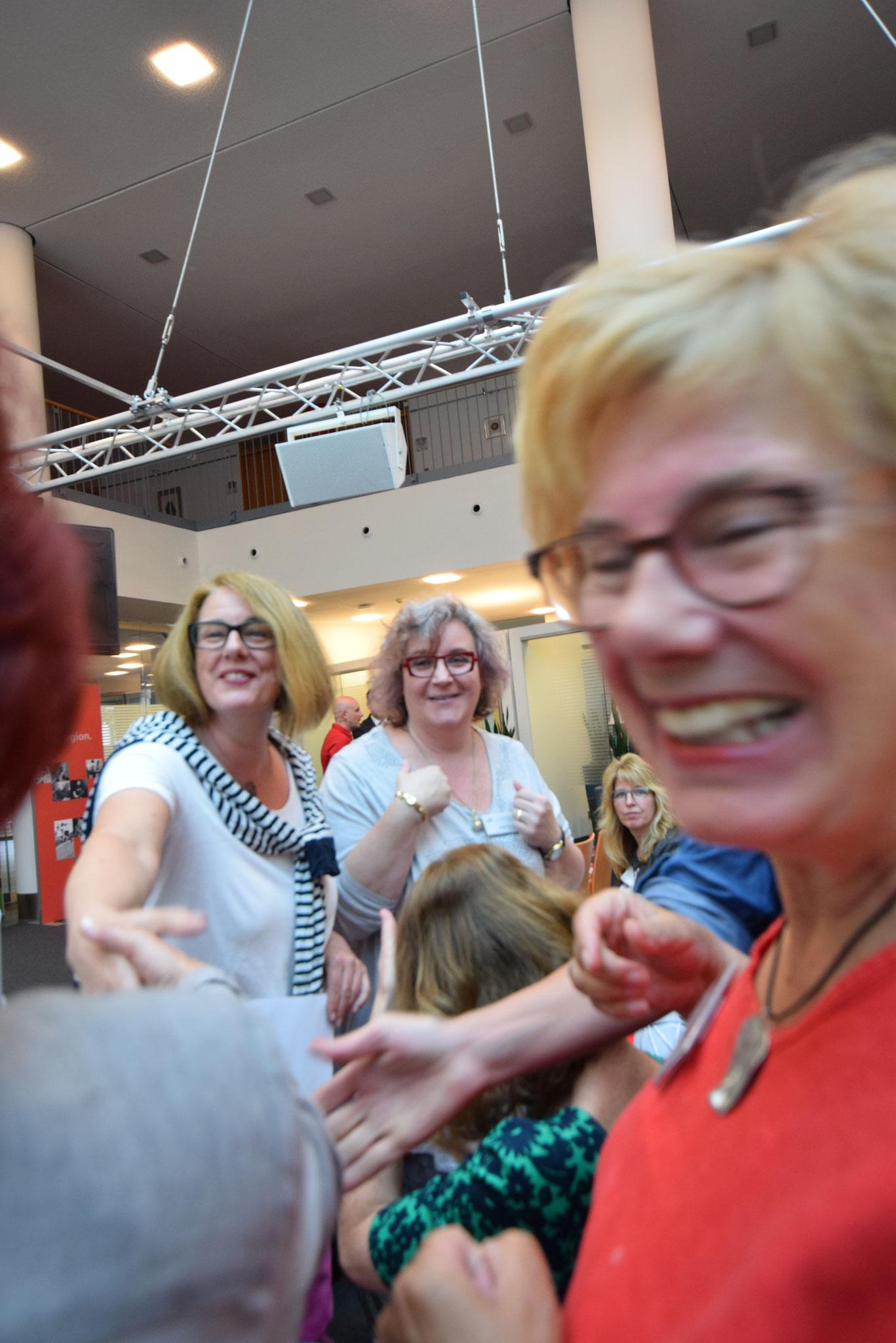 """06-18 HALLO bei der Sparkasse Rastatt-Gernsbach zu """"Nie wieder sprachlos"""""""