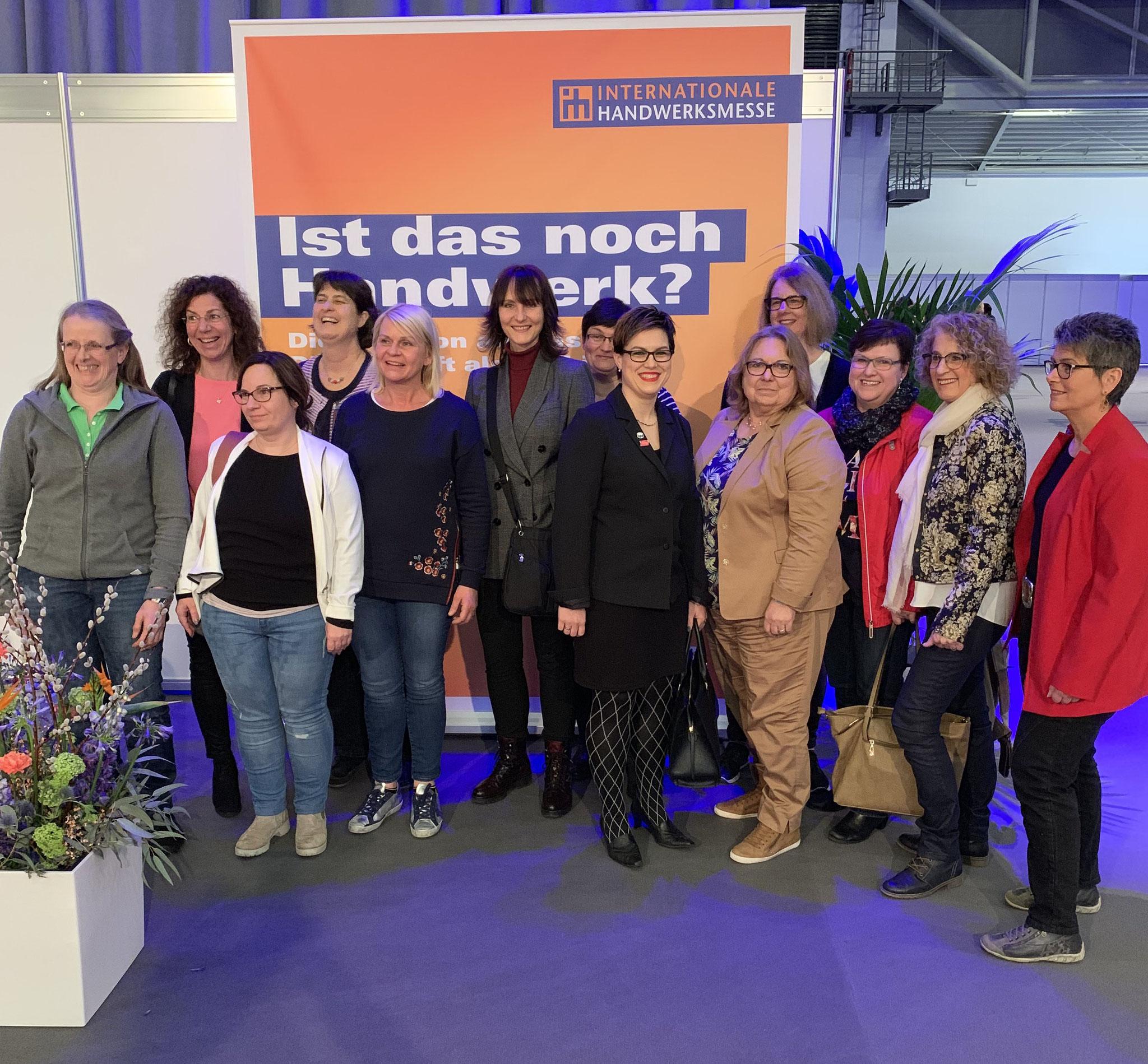 03-2019 unsere Damen ufh AK Mittelbaden und Vertreterinnen von UFH Bruchsal