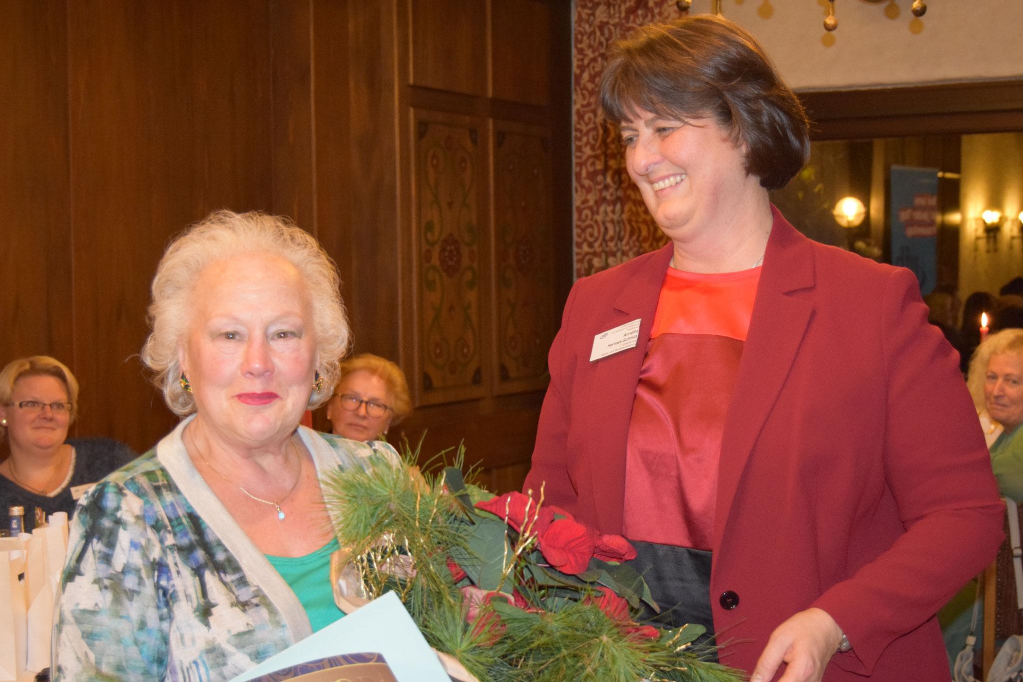 12-2019 Weihnachtsfeier mit Ehrung von Elly Schilt für 30 Jahre Mitgliedschaft