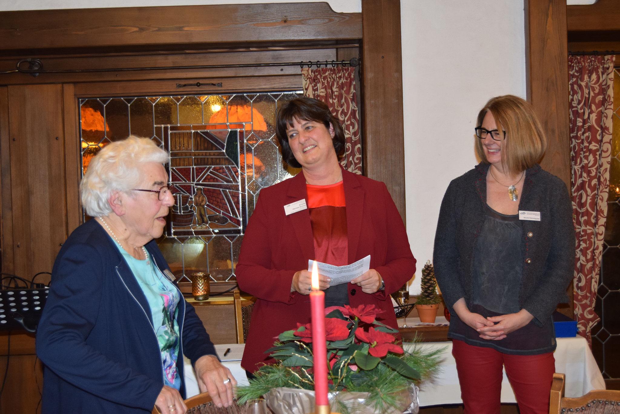 12-2019 Weihnachtsfeier mit Ehrung von Frau Bastian für 35 Jahre Mitgliedschaft