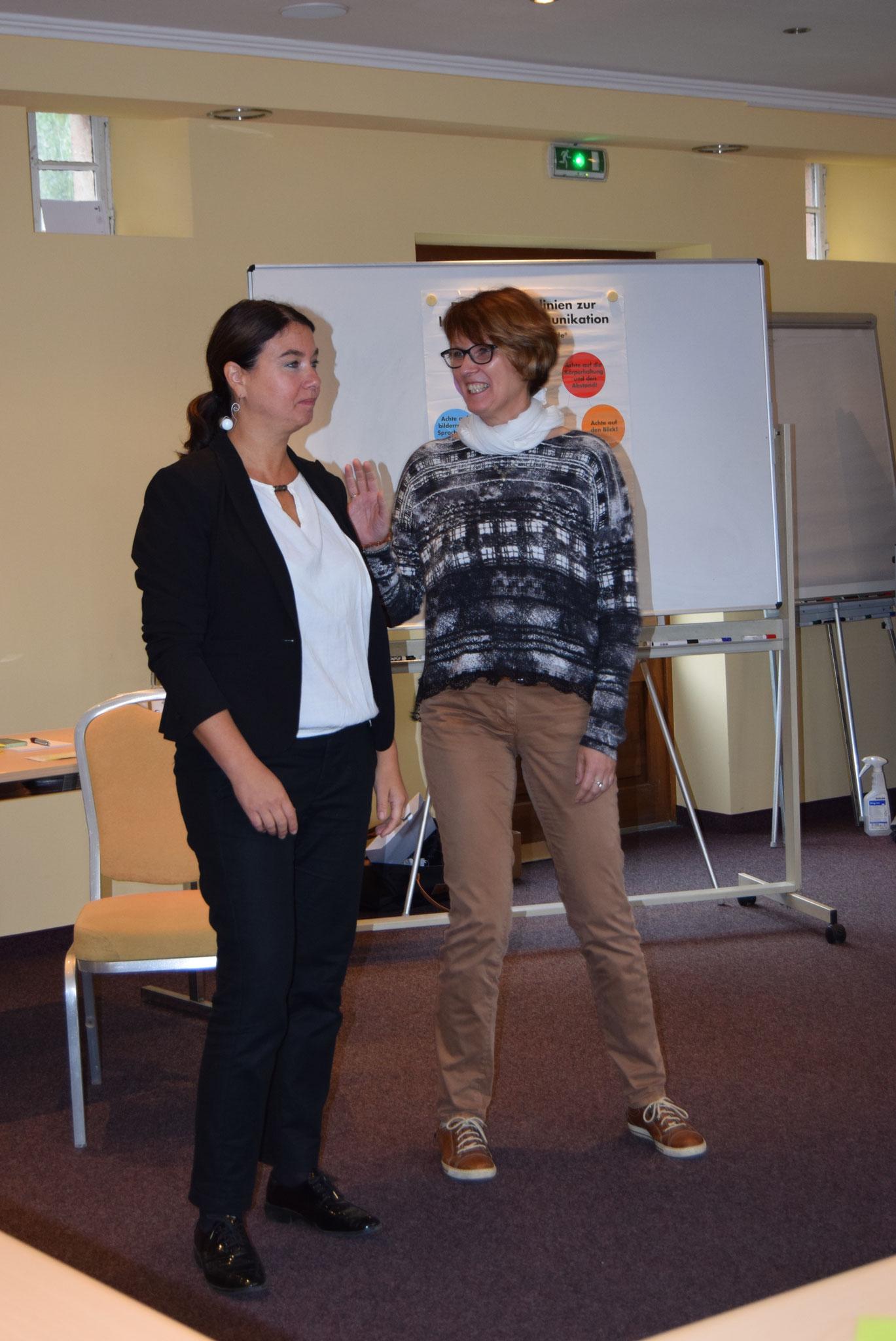 10-16 Referentin Stefanie Wally und Teilnehmerin