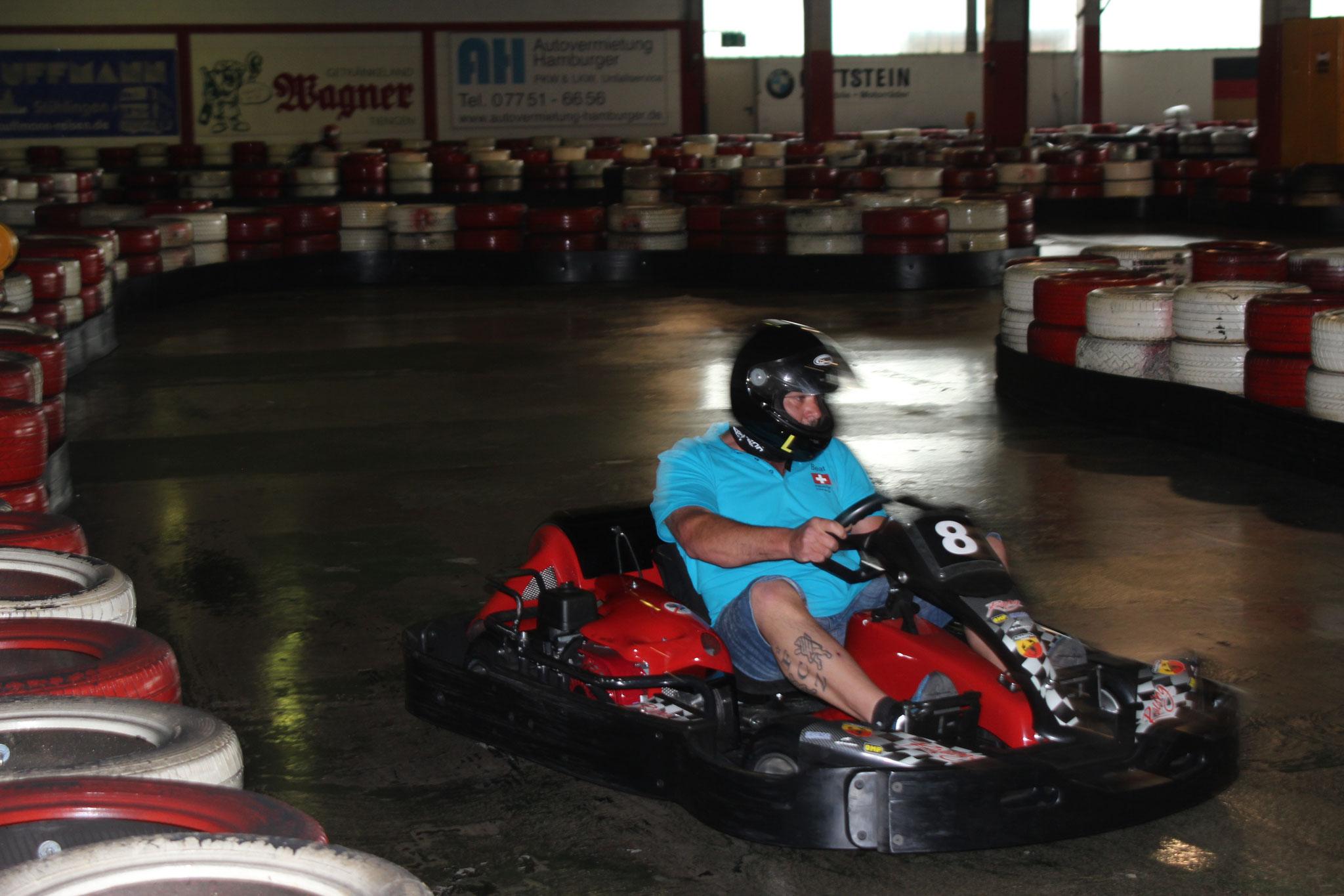 Go Kartfahrt ein schneller Fahrer