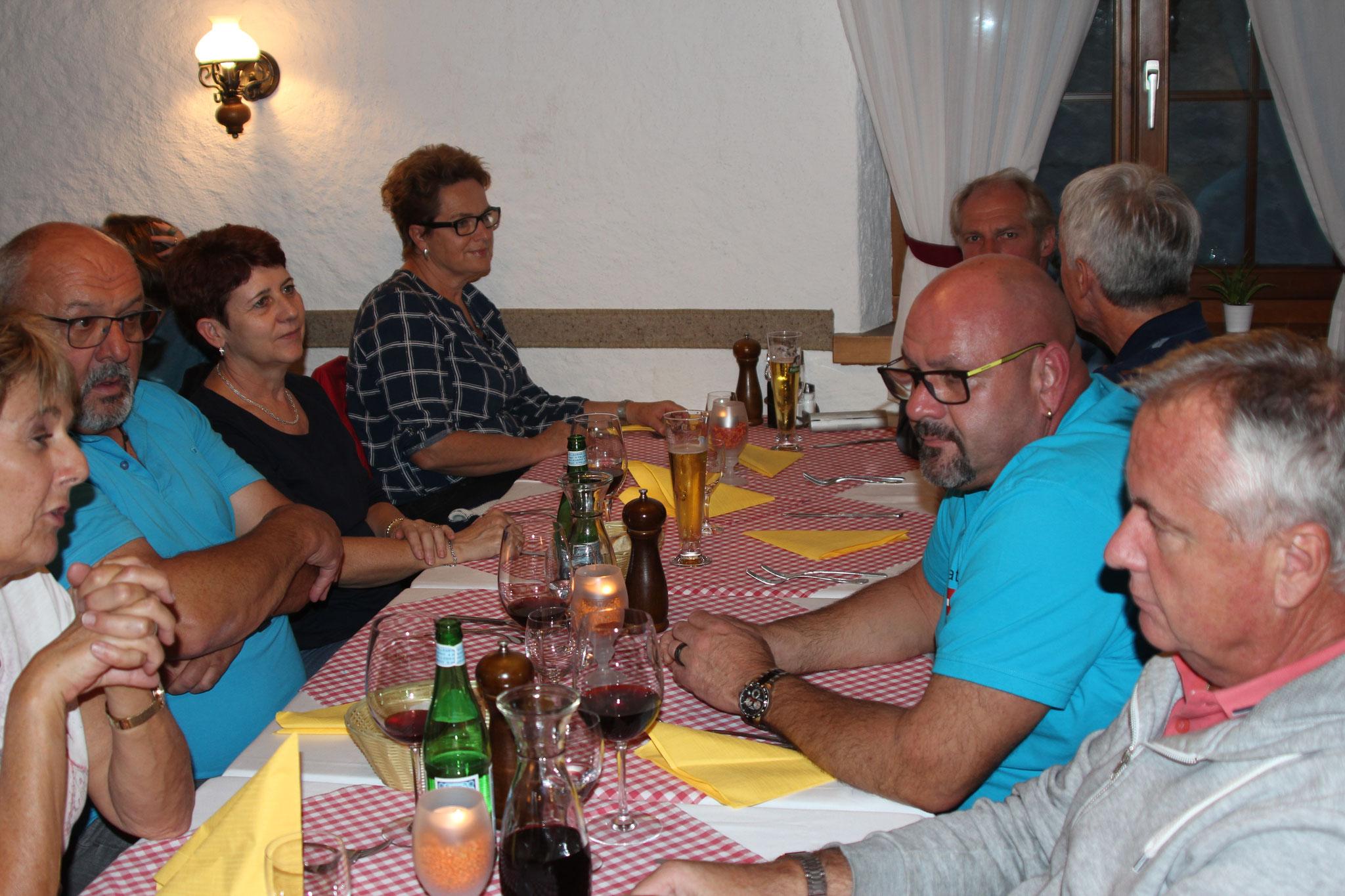Am Nachtenssen im Riegelhaus Pizzeria da Masimo Wil ZH