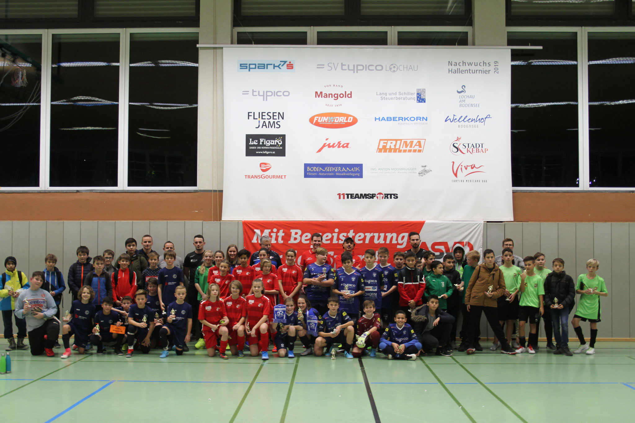 Abschlussfoto U13 - powered by Gasthaus Wellenhof