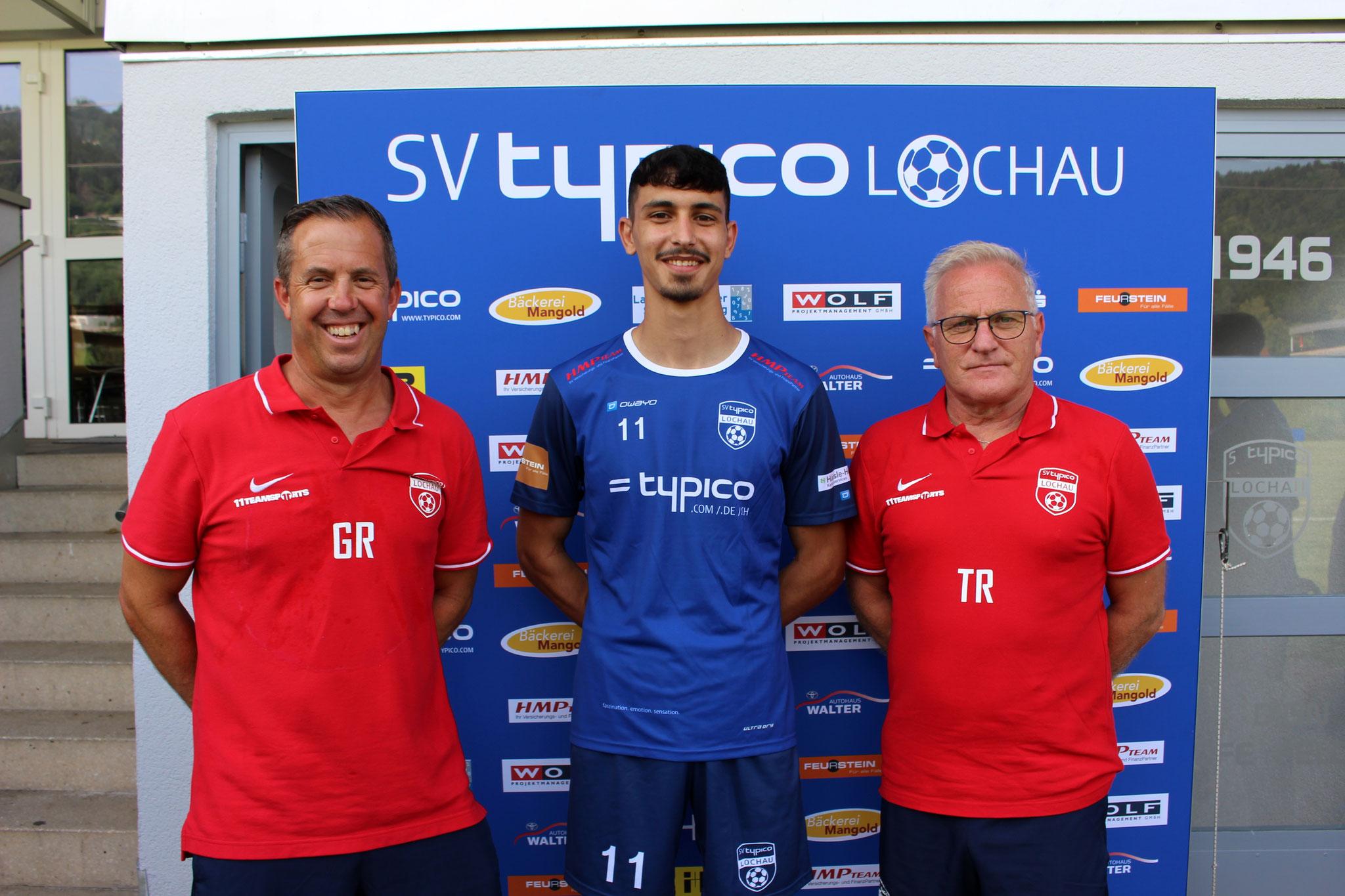Neuzugang Tarkan Parlak mit Co-Trainer Günther Riedesser und Trainer Peter Sallmayer