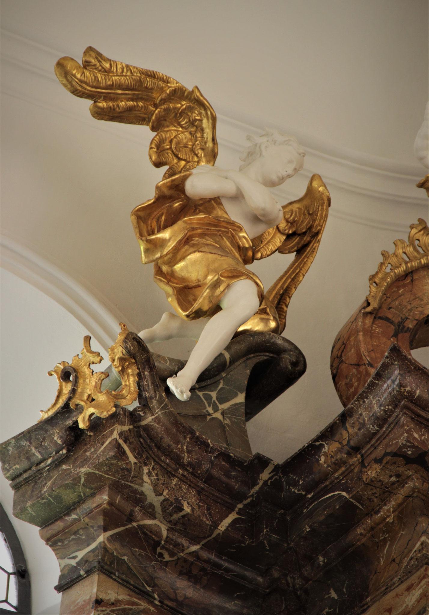 Auszugsengel, Flügel ergänzt von Bildhauerin Monika Binapfl; Klosterbeuren
