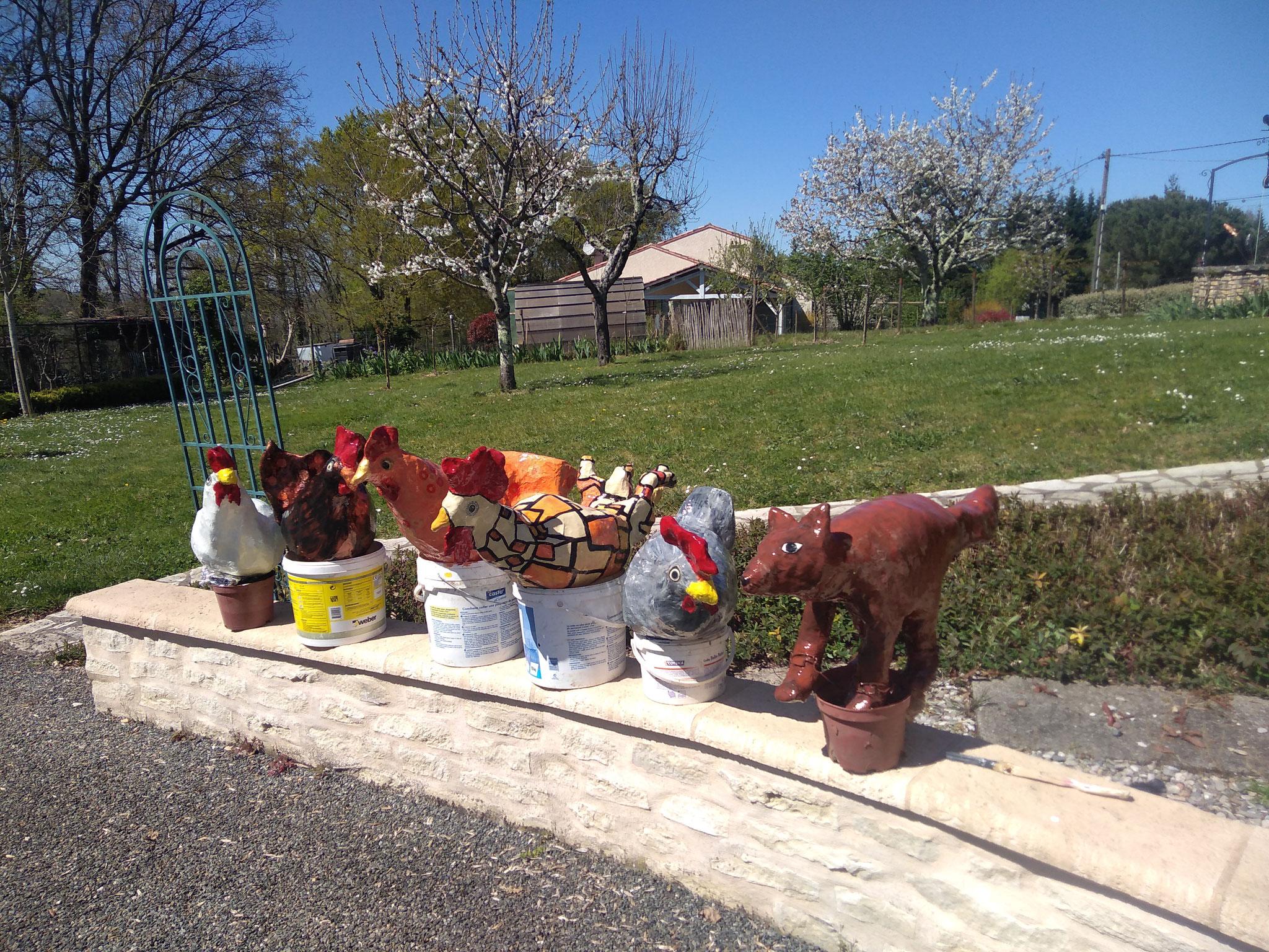 Marianne du 47, restauration de mes poules et du rusé renard qui garde gentiment la basse cour !