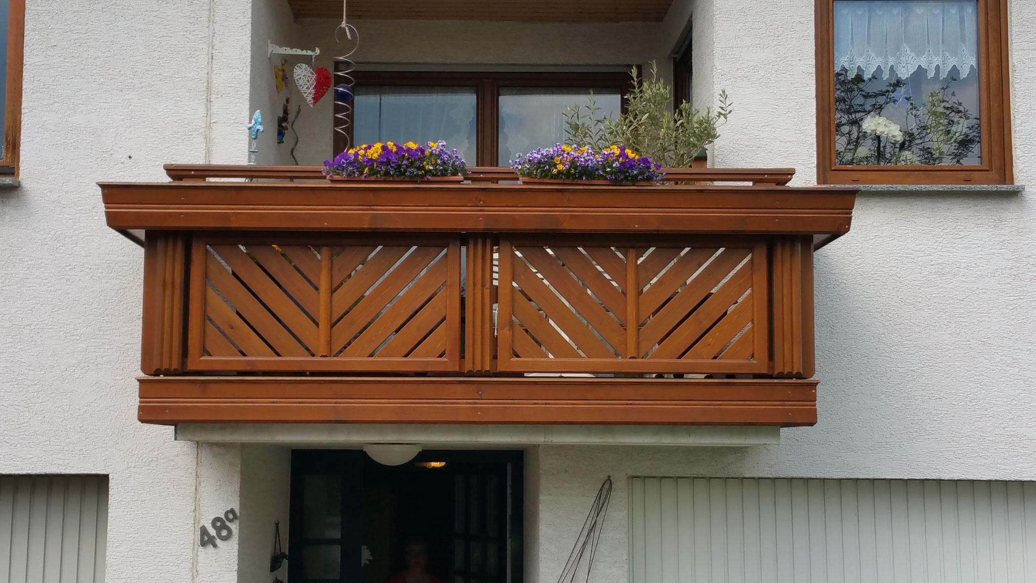 Holz Balkongeländer St. Pölten.
