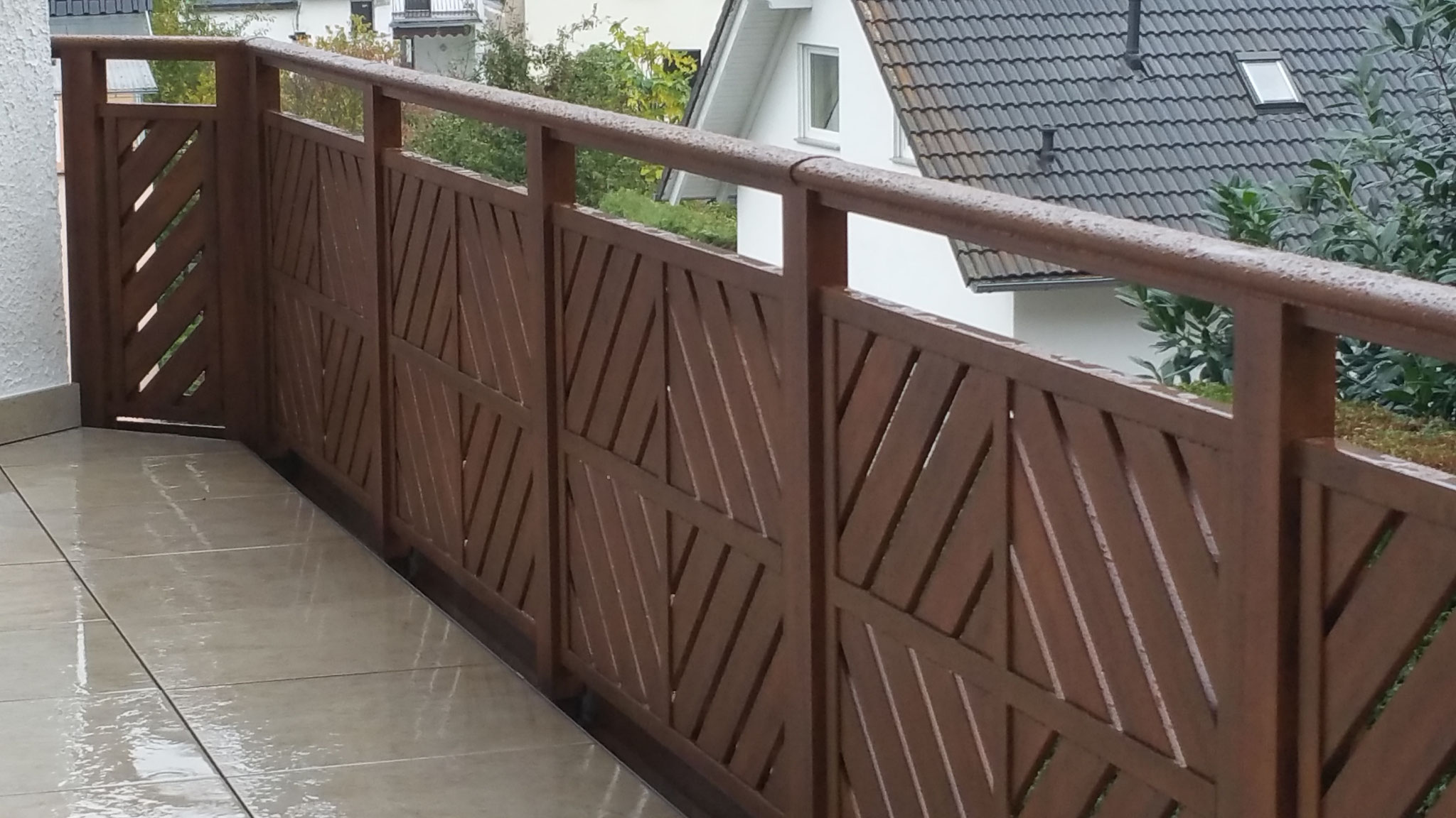 Alu Balkongeländer Kassel in Holzoptik