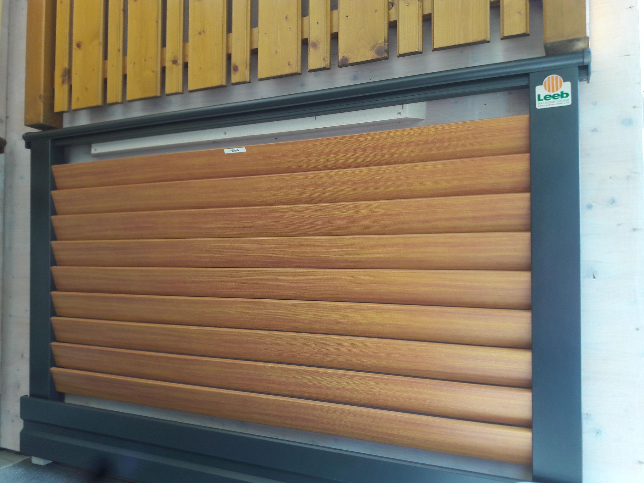 Alu Balkongeländer Villach mit Holzoptik