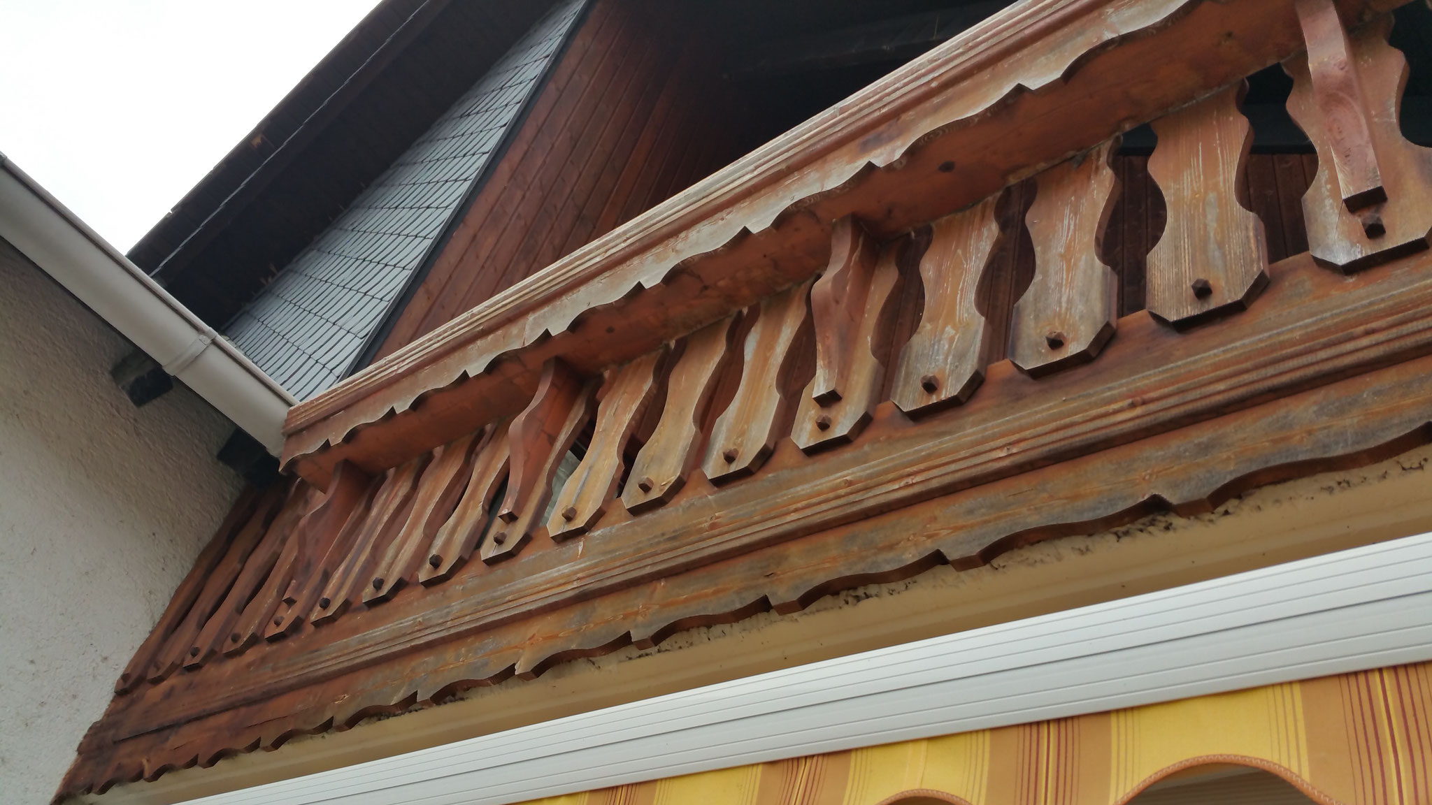 Holz-Balkongeländer