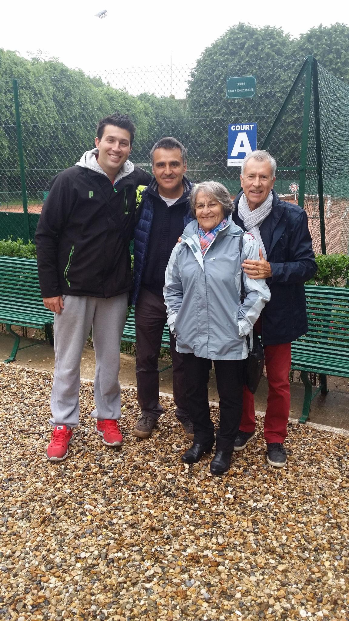 Stephane Houdet no1 mondial du tennis en fauteuil a préparé Roland Garros au CAM mardi 31 mai accompagné de ses parents