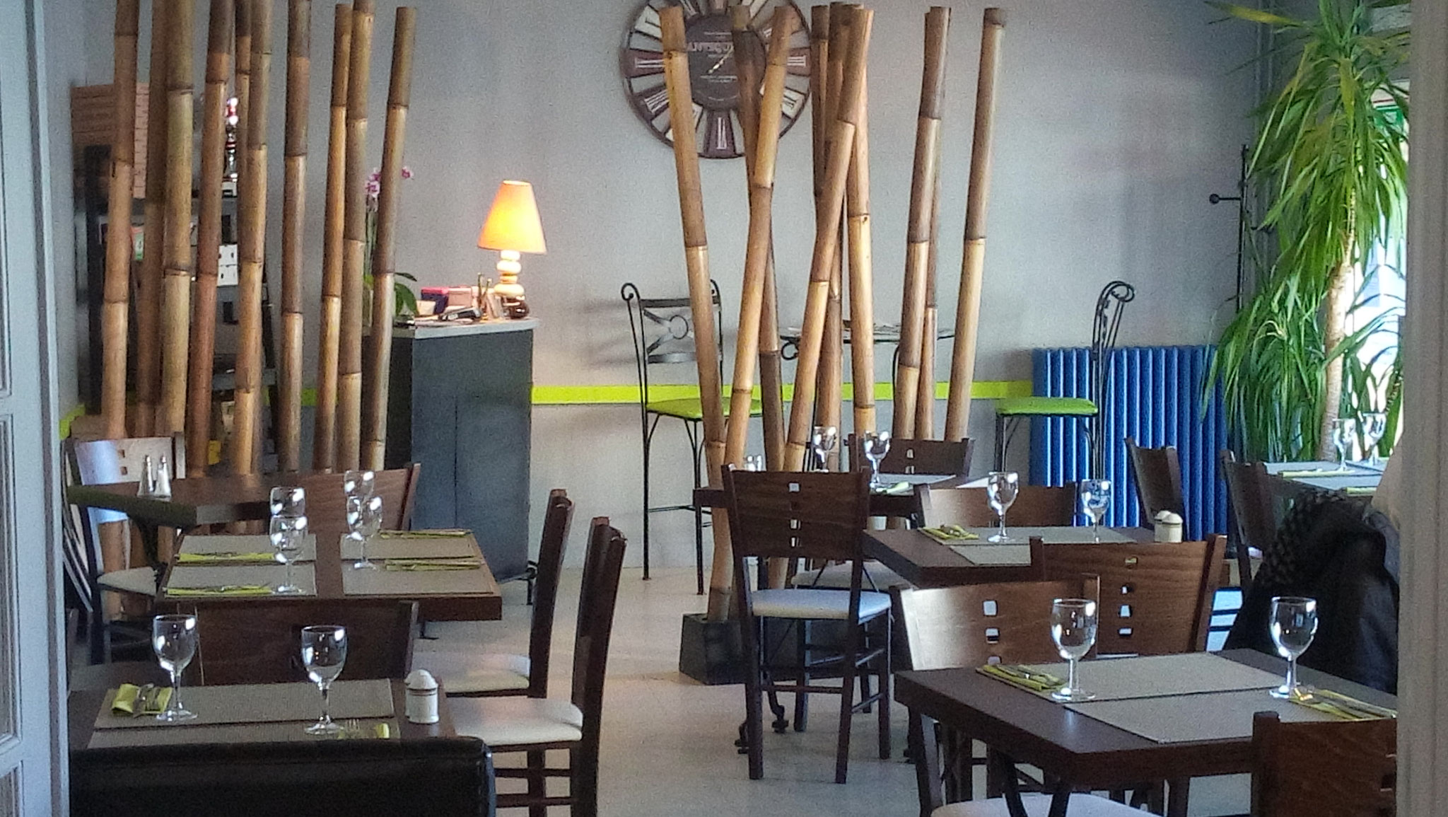 salle brasserie et petit dejeuner