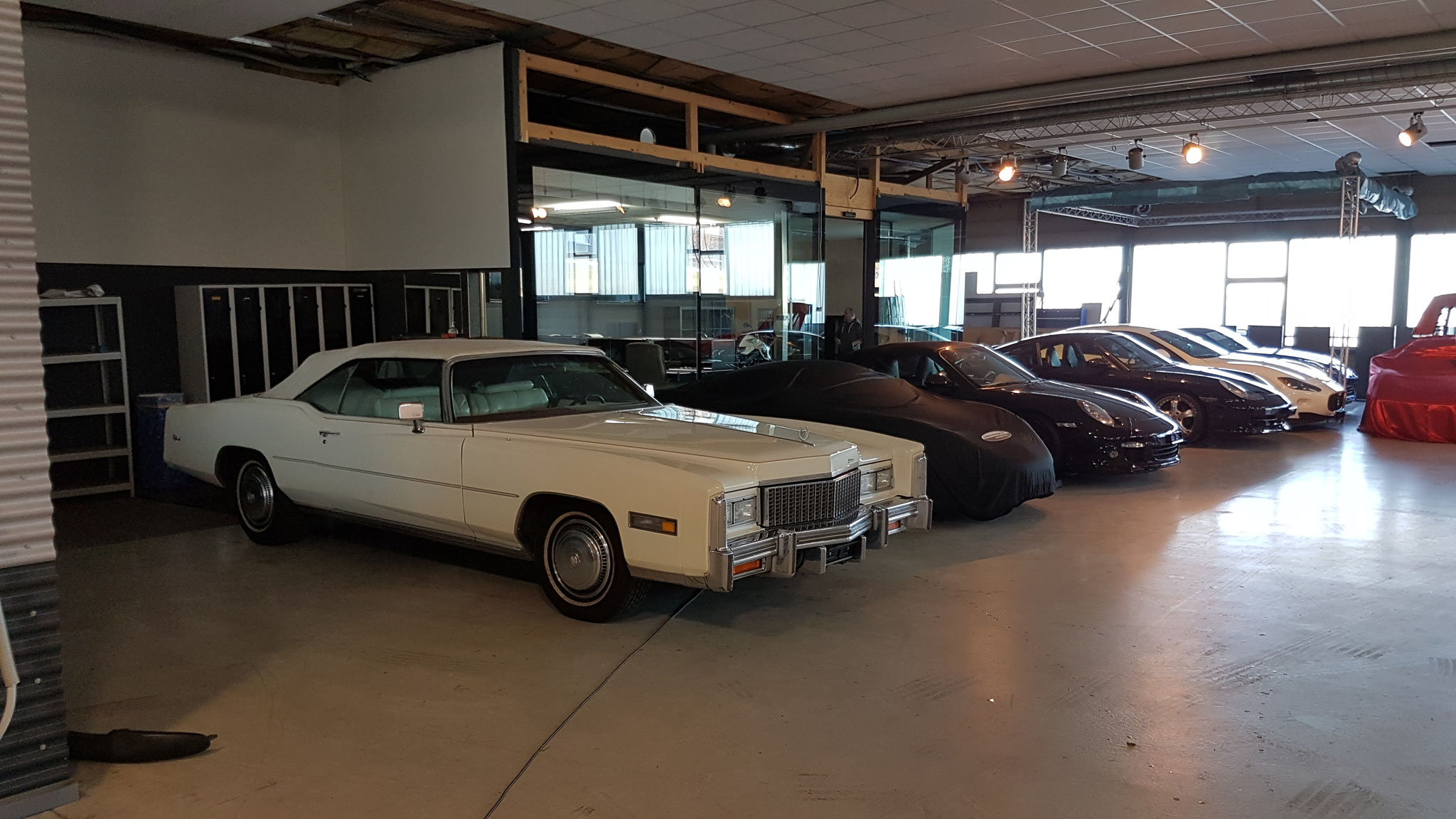 Cadillac im Autohotel Schongau