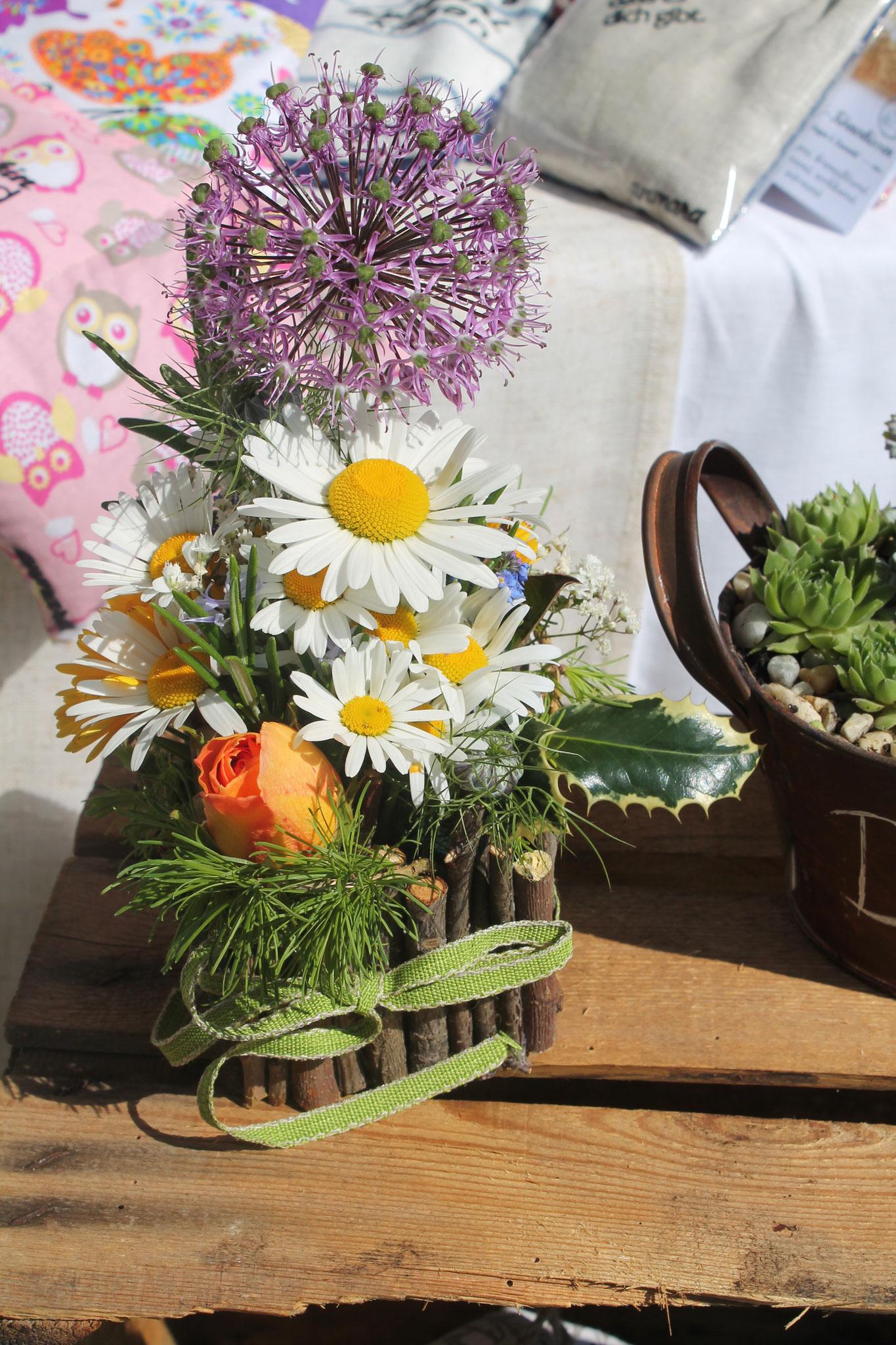 sommerlicher Blumenschmuck