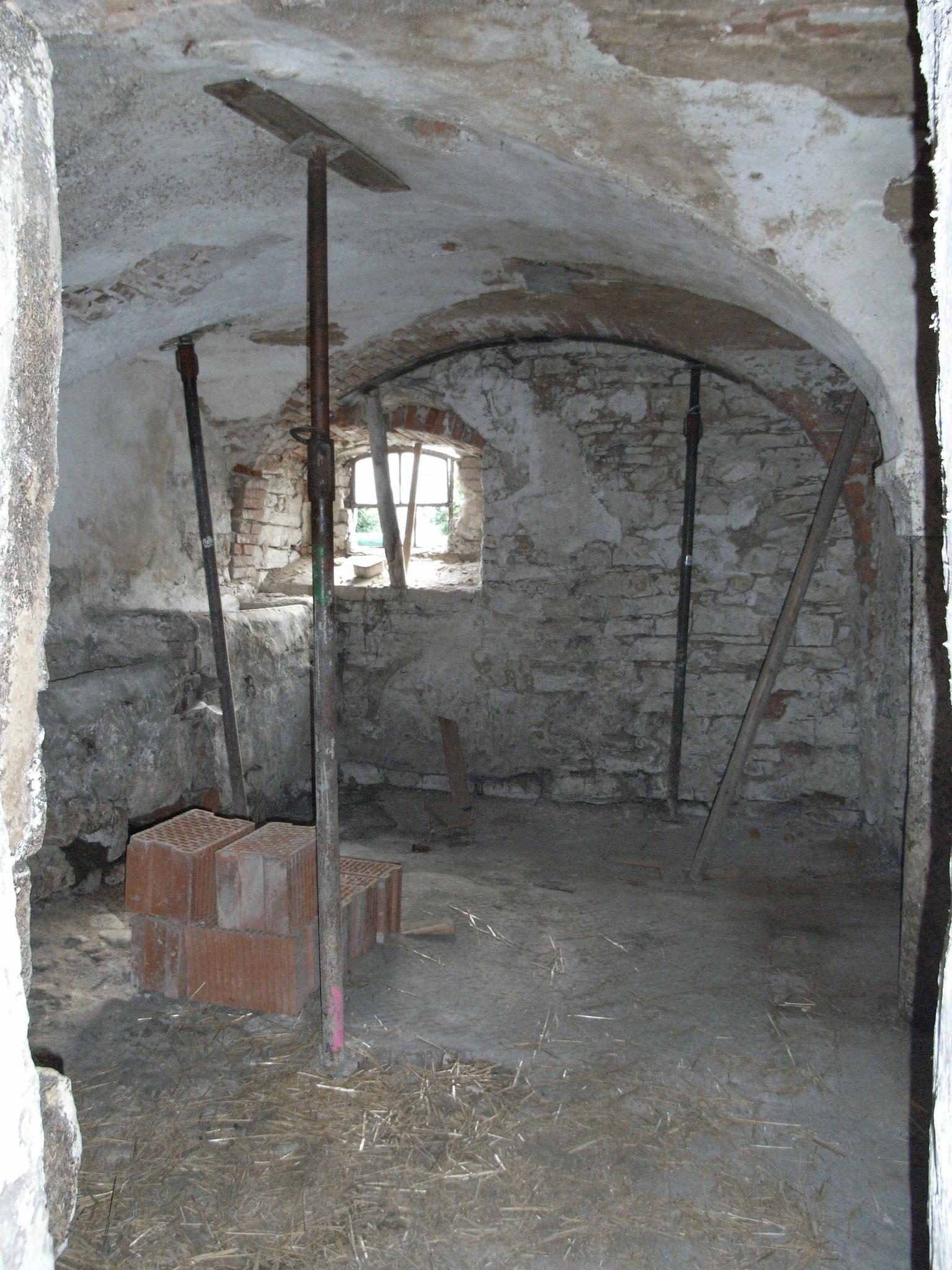 Zustand vor der Sanierung (Quelle: http://www.obermuehle-muehlbach.de/images/stallstadel.JPG)