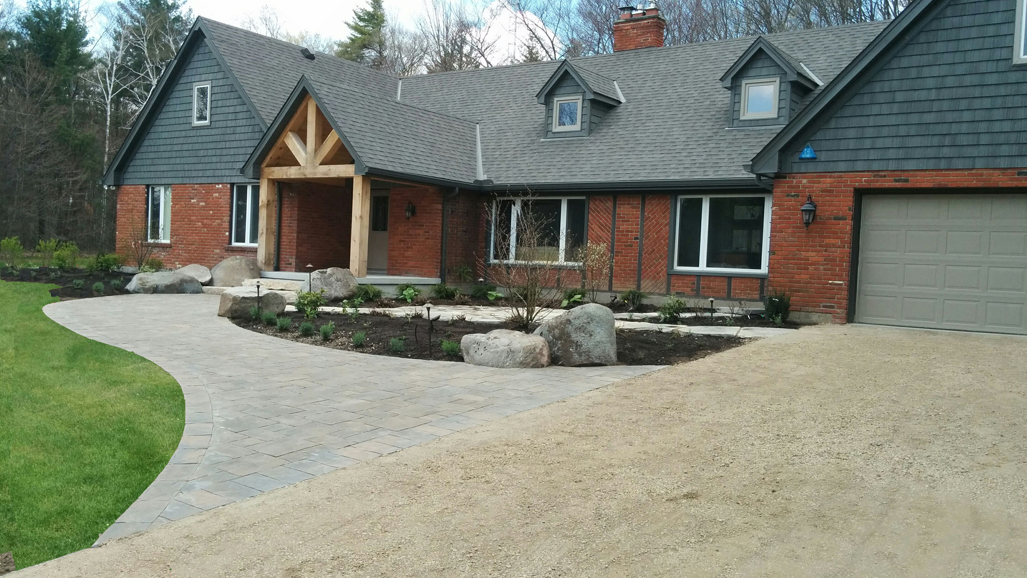 Natural elements landscaping inc guelph landscape patio for Local landscaping companies