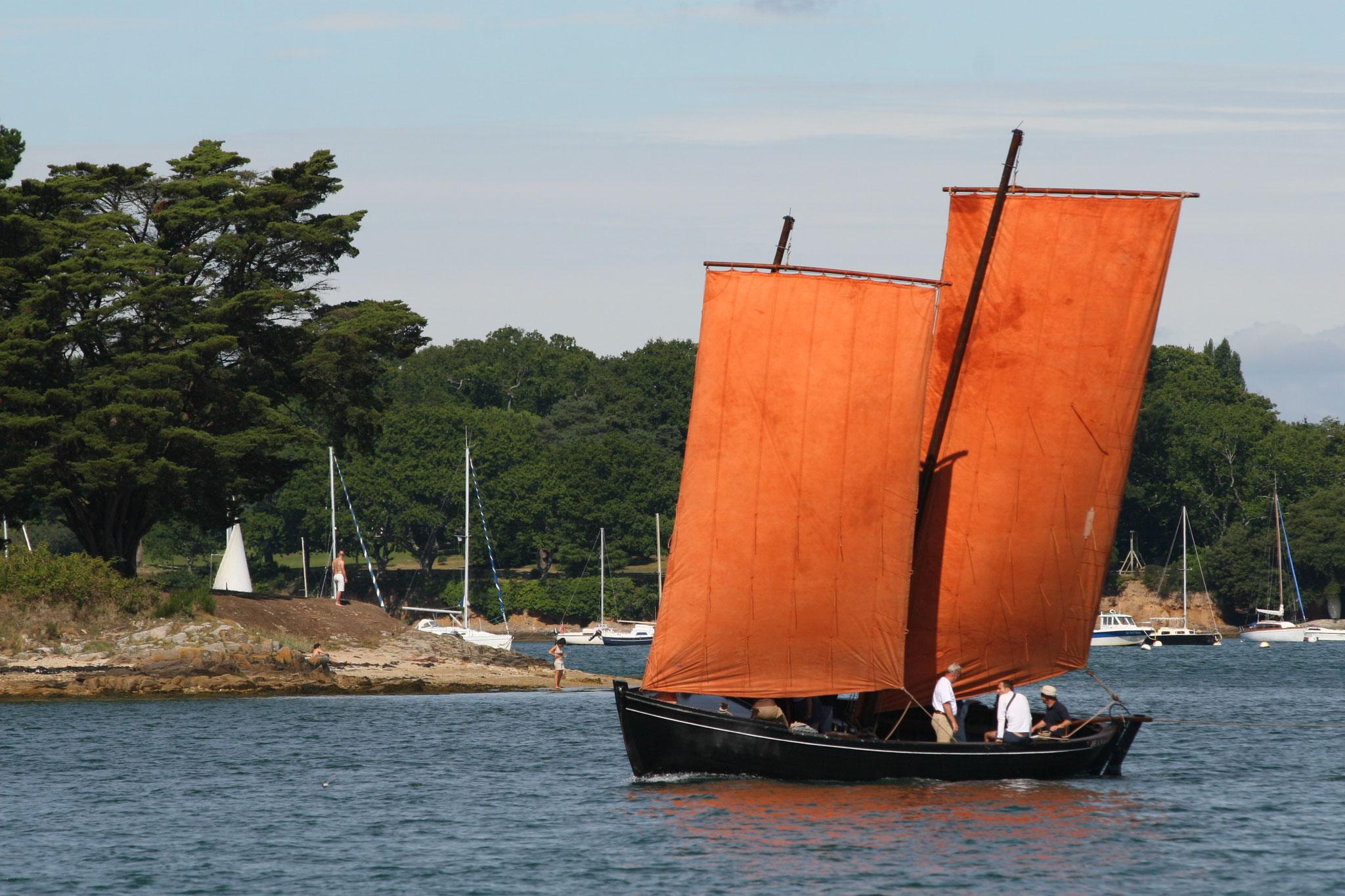 Im Golfe du Morbihan wird das Segeln traditioneller alter Schiffe groß geschrieben
