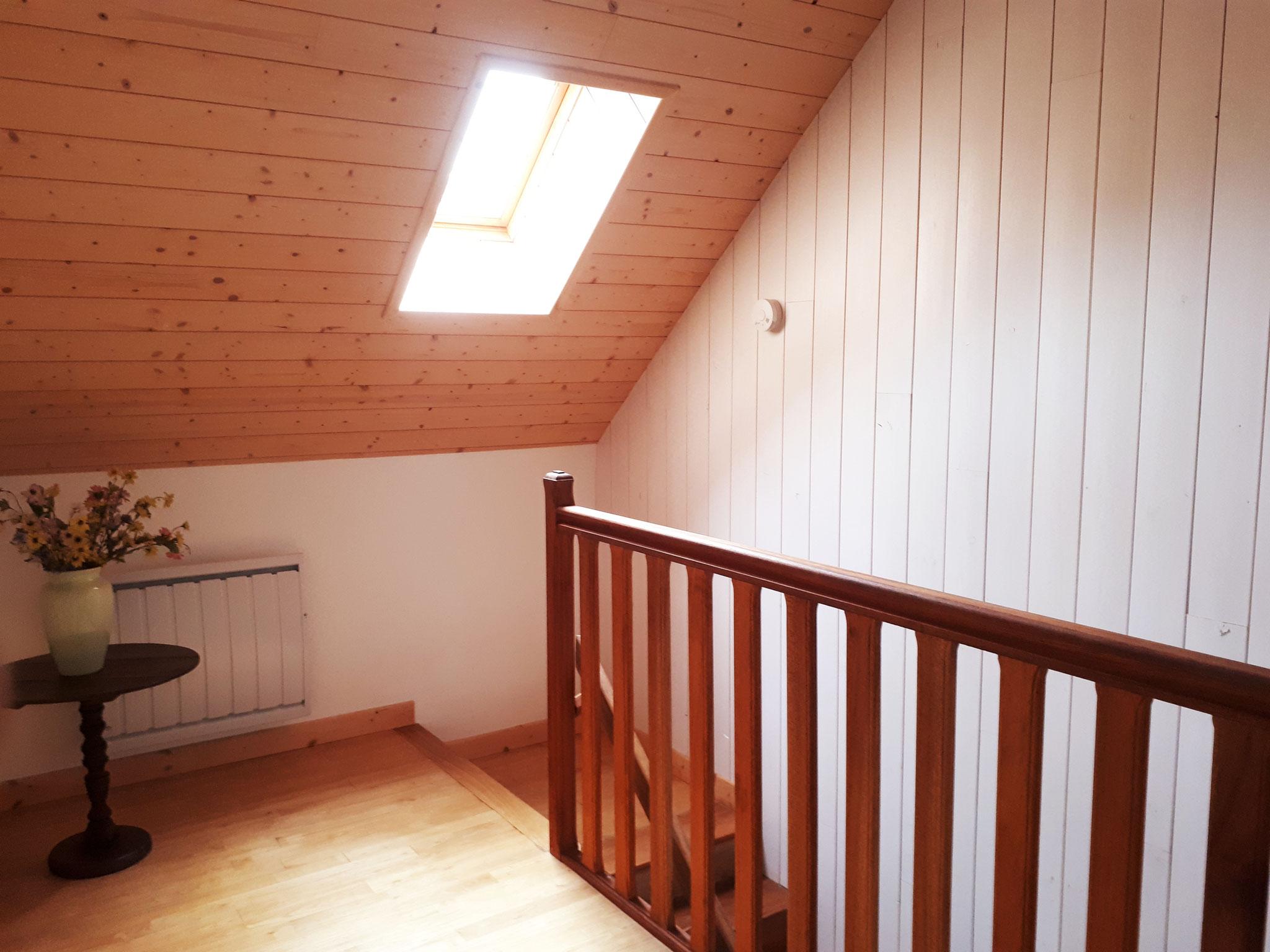 Escalier d'accès aux chambres.