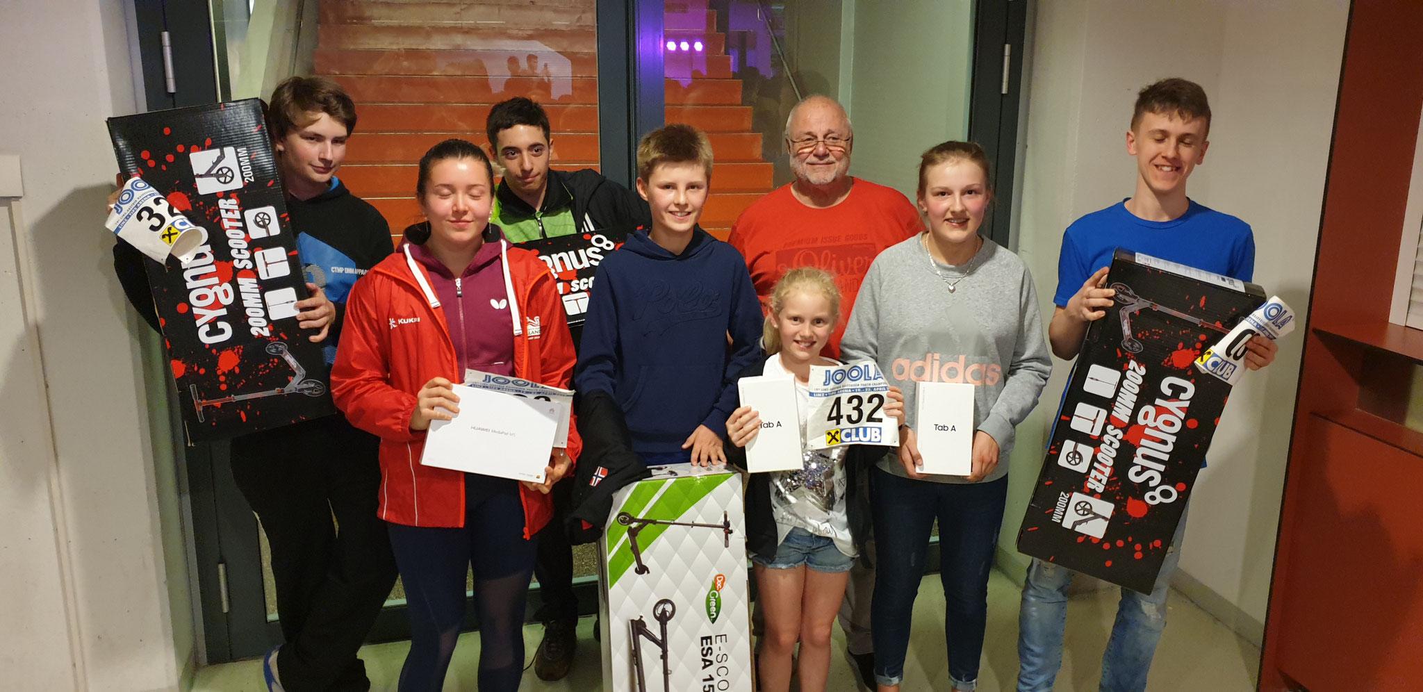 Die glücklichen Gewinner: Sebastian Flaaten (NOR) Denise Payet (ENG) Jana Stüger (OÖ) Ema Cincurova SVK) Kamil Kuchta (CZE) Luca Bersam (ROM) Alexander Lilien (GLI)