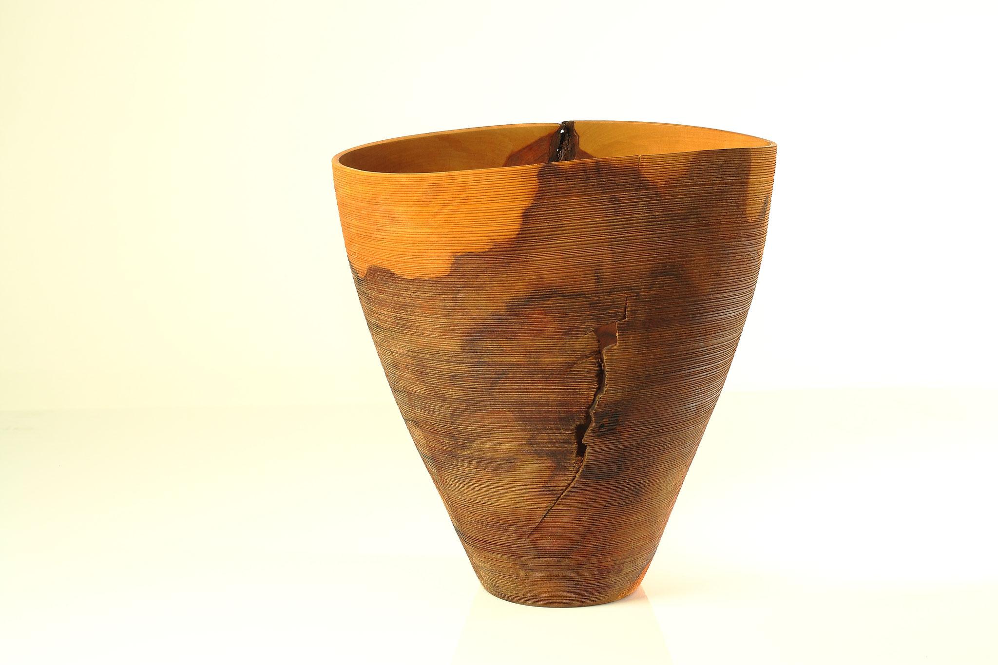 Gefäß aus Birnenholz