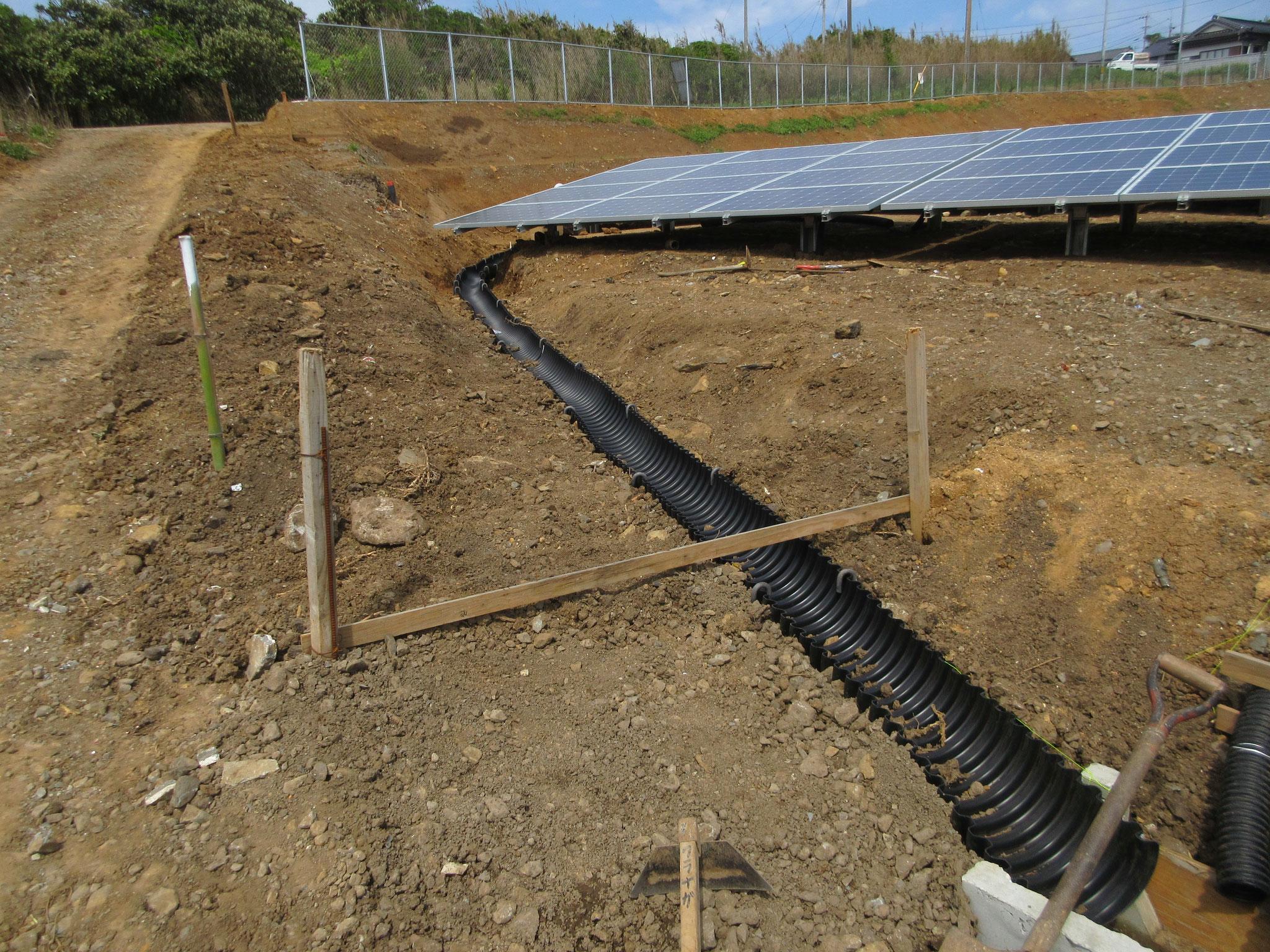 雨水排水半割ジャバラ管