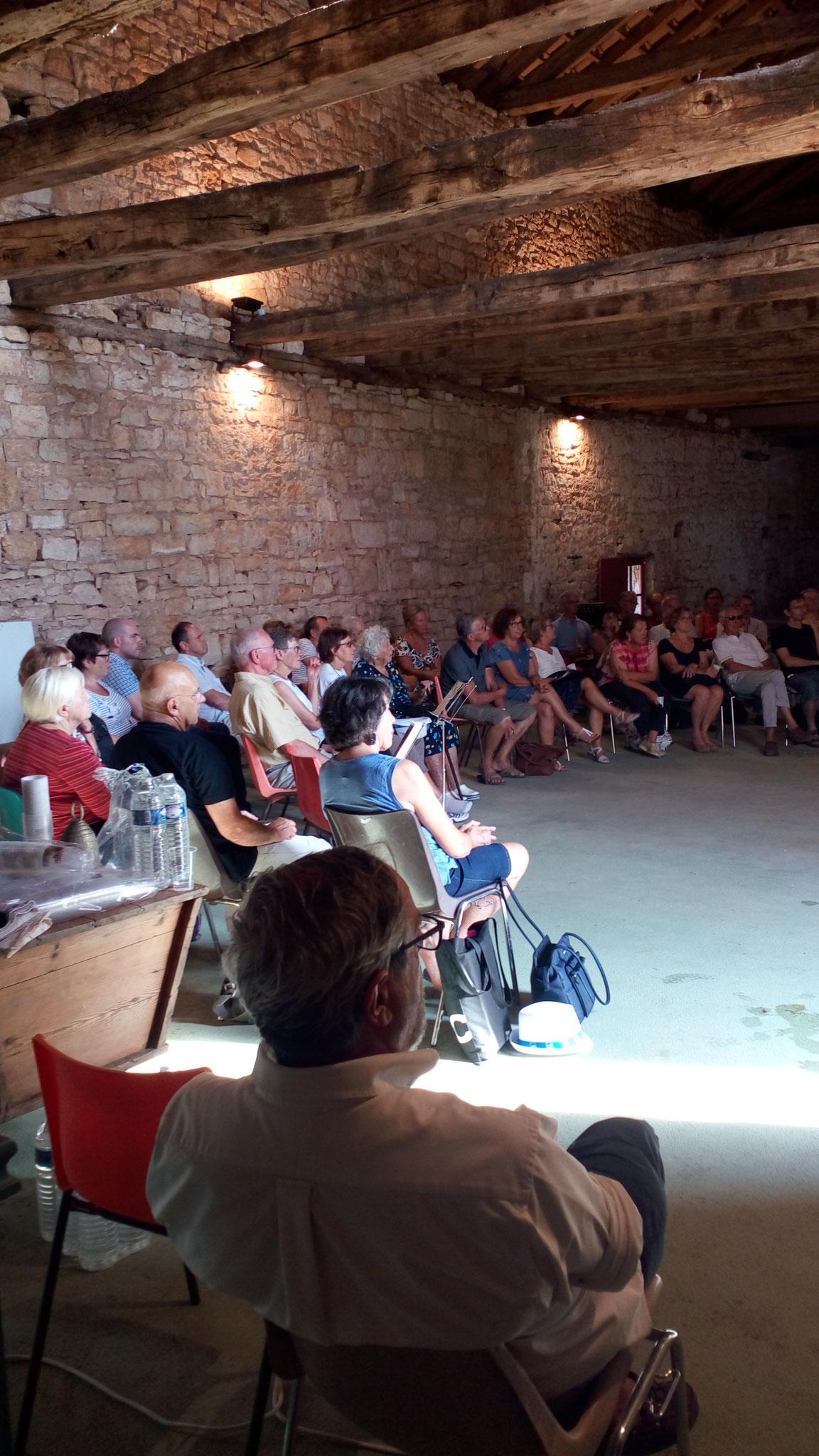 Conférence sur l'abbaye de Tourtoirac et l'Araucanie par Jean Louis Fromentière et un membre de l'association Auspice Stella