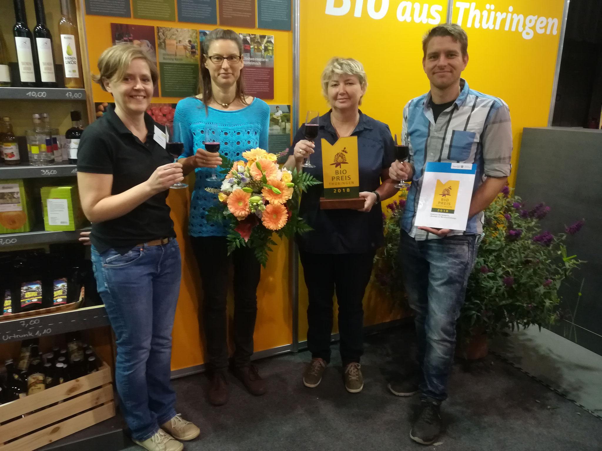 Susanne Kipp (Thüringer Ökoherz und Aufsichtsrat bei uns), Nicole Eger, Anett Kulka-Panek und Christoph Stolke (alle Mitarbeiter beim LandMarkt)