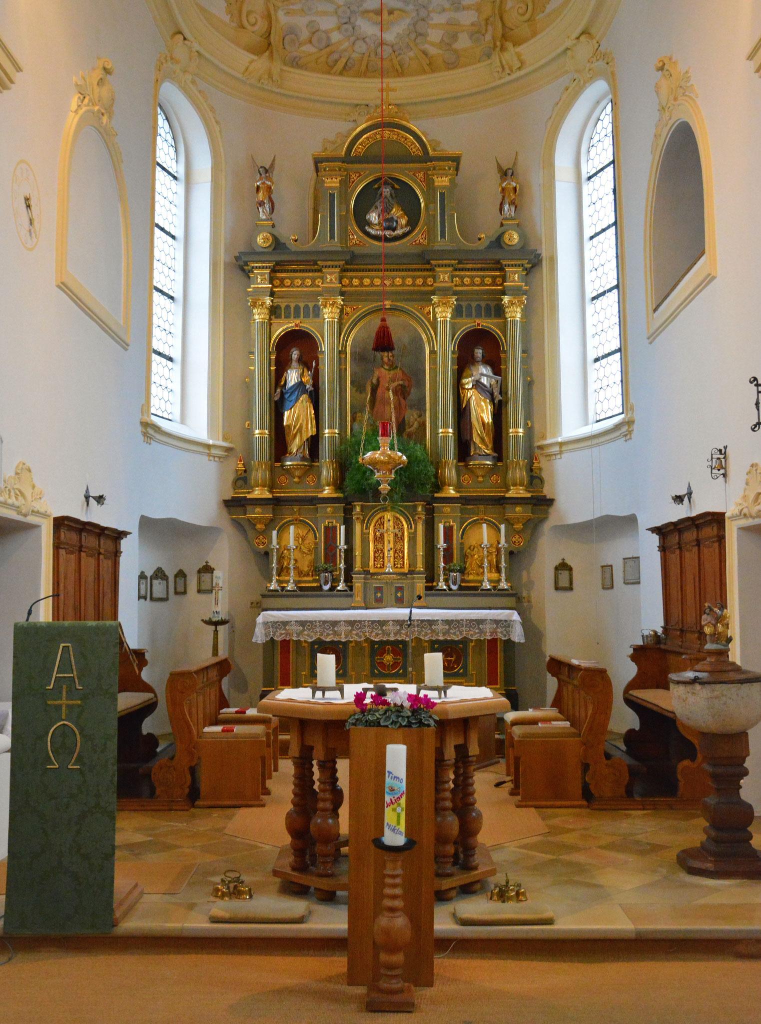 Altarraum mit Tabernakel
