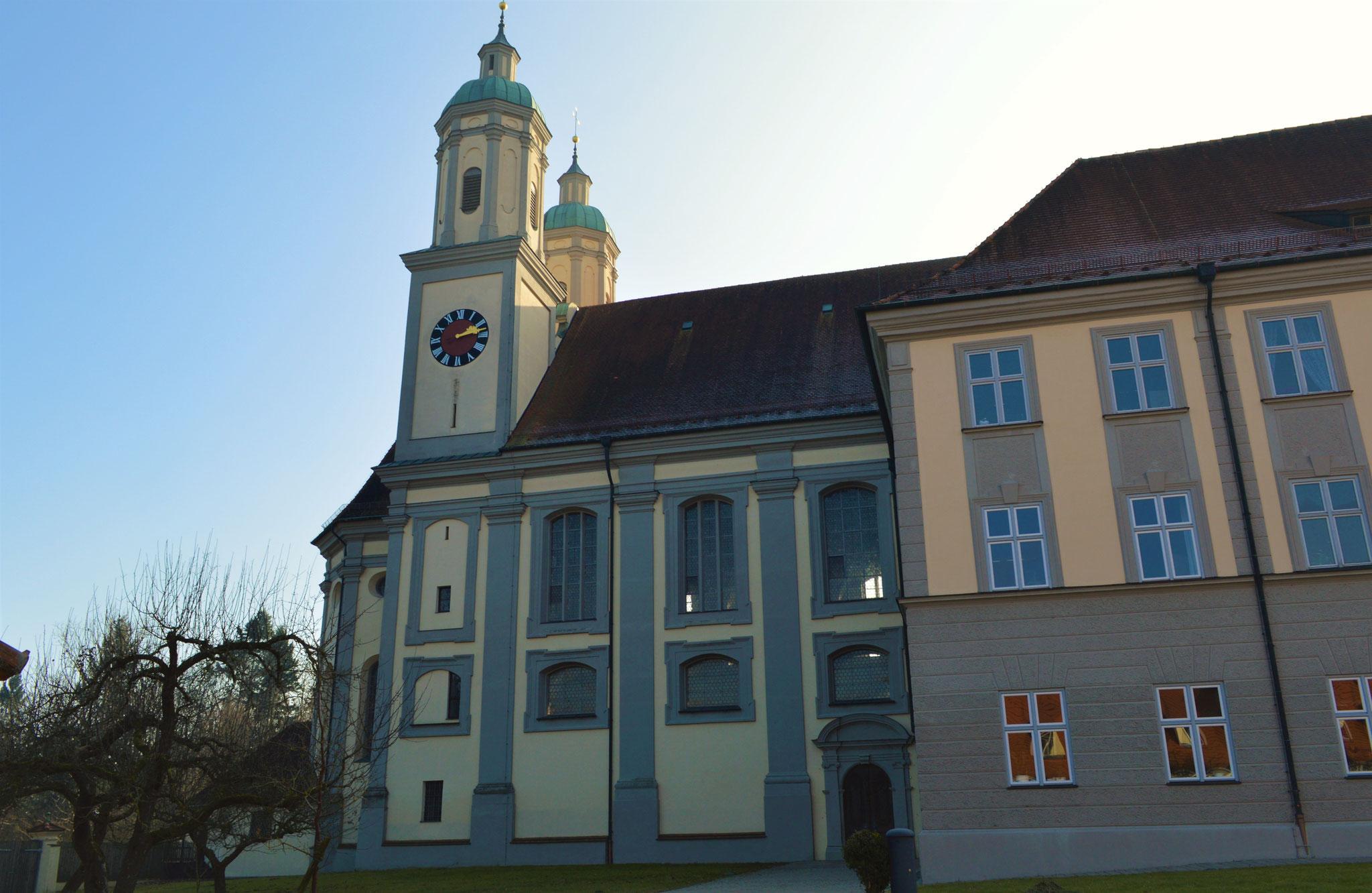 Eingangsseite der Klosterkirche