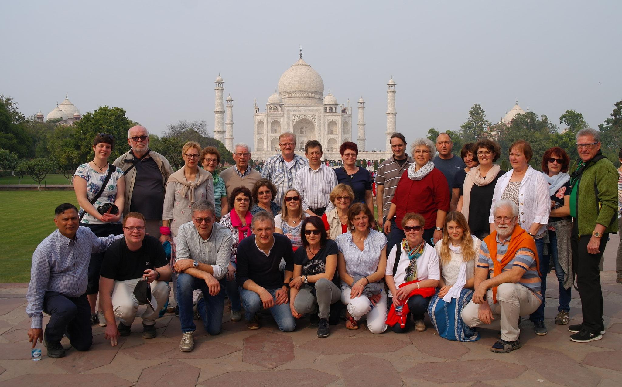Pfarrer Norman D`Souza zeigte den Reisenden das Taj Mahal, das zu den sieben Weltwundern zählt.