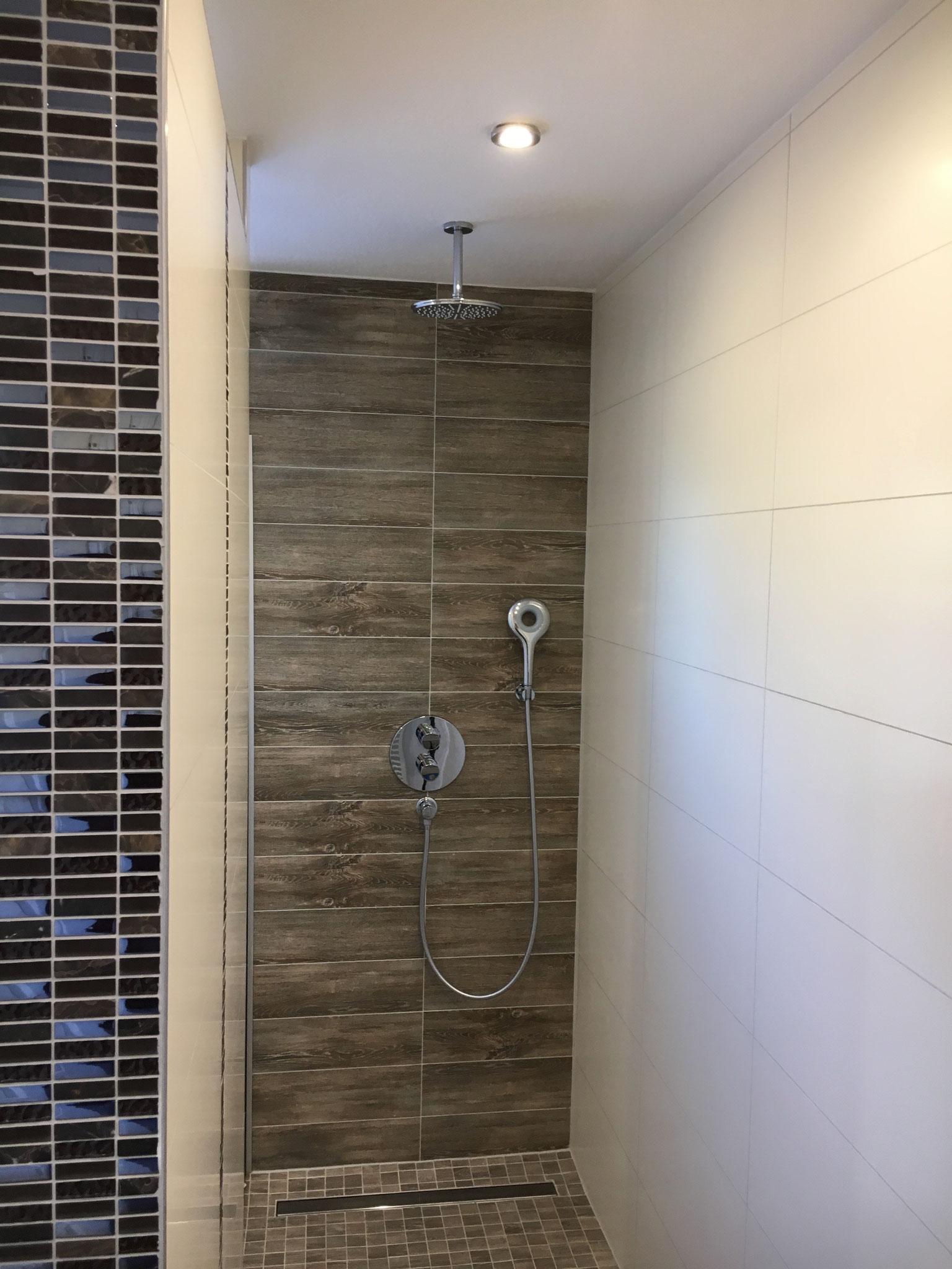 Regendusche Badezimmer OG