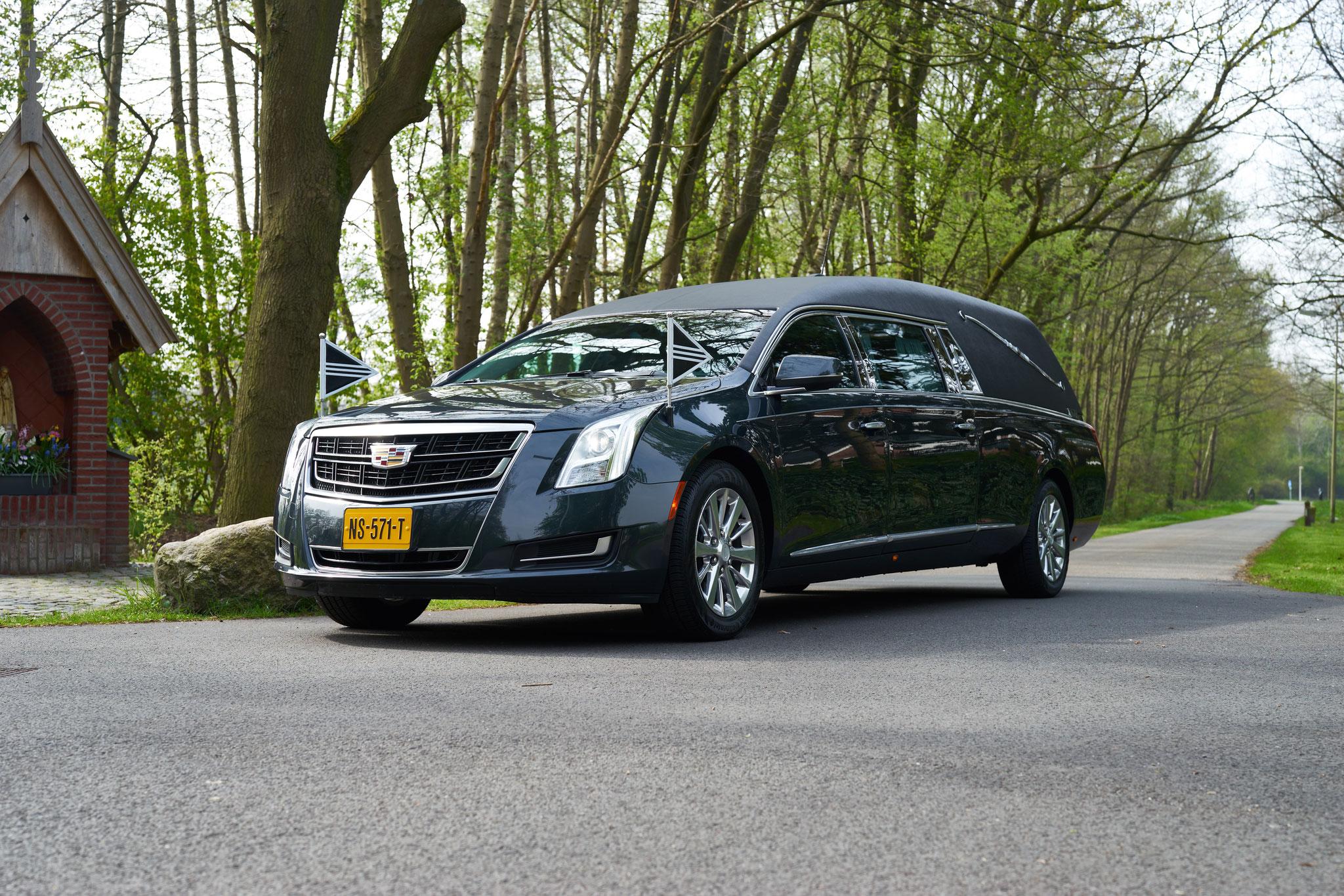 Cadillac Donkergrijs