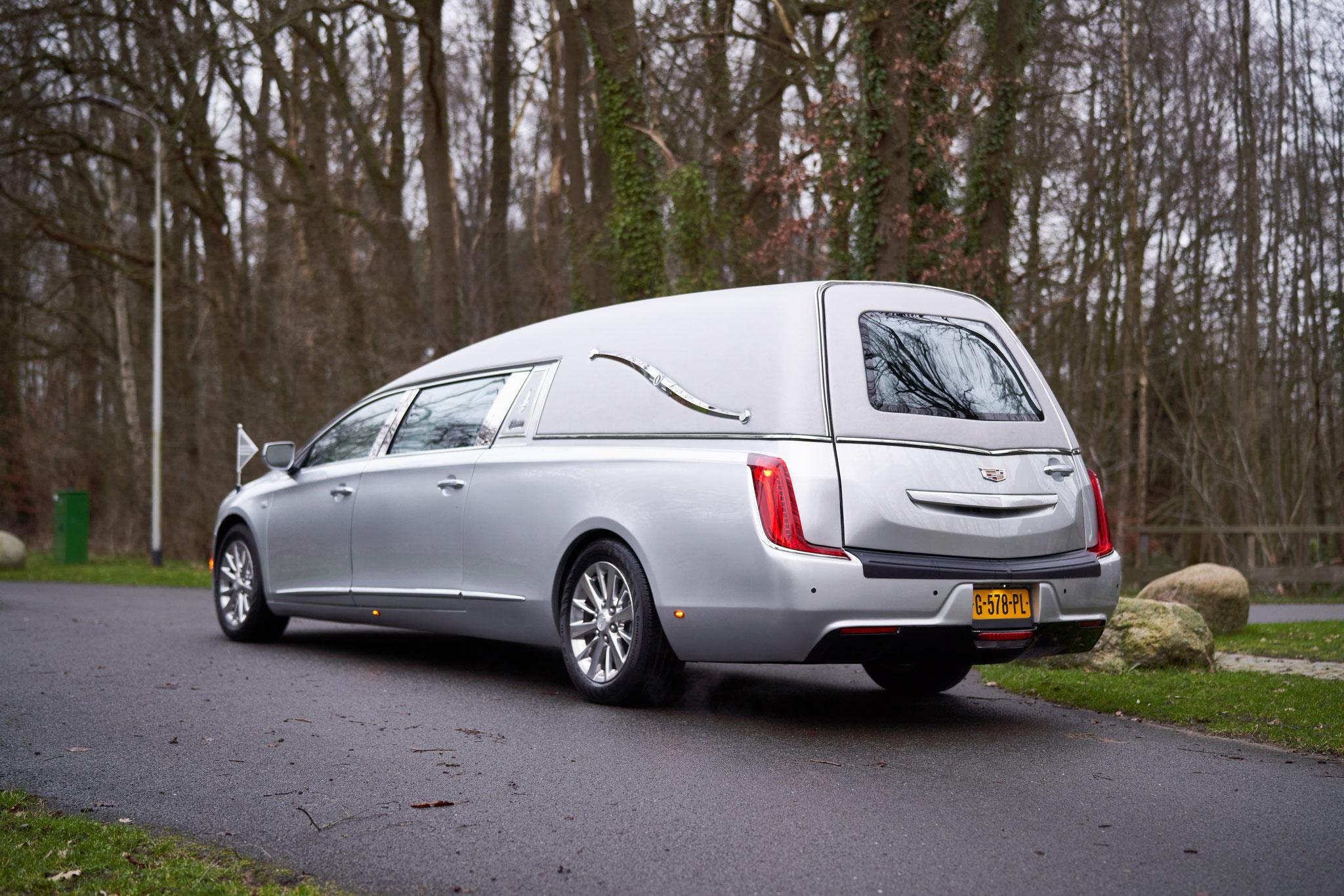 Cadillac Zilvergrijs
