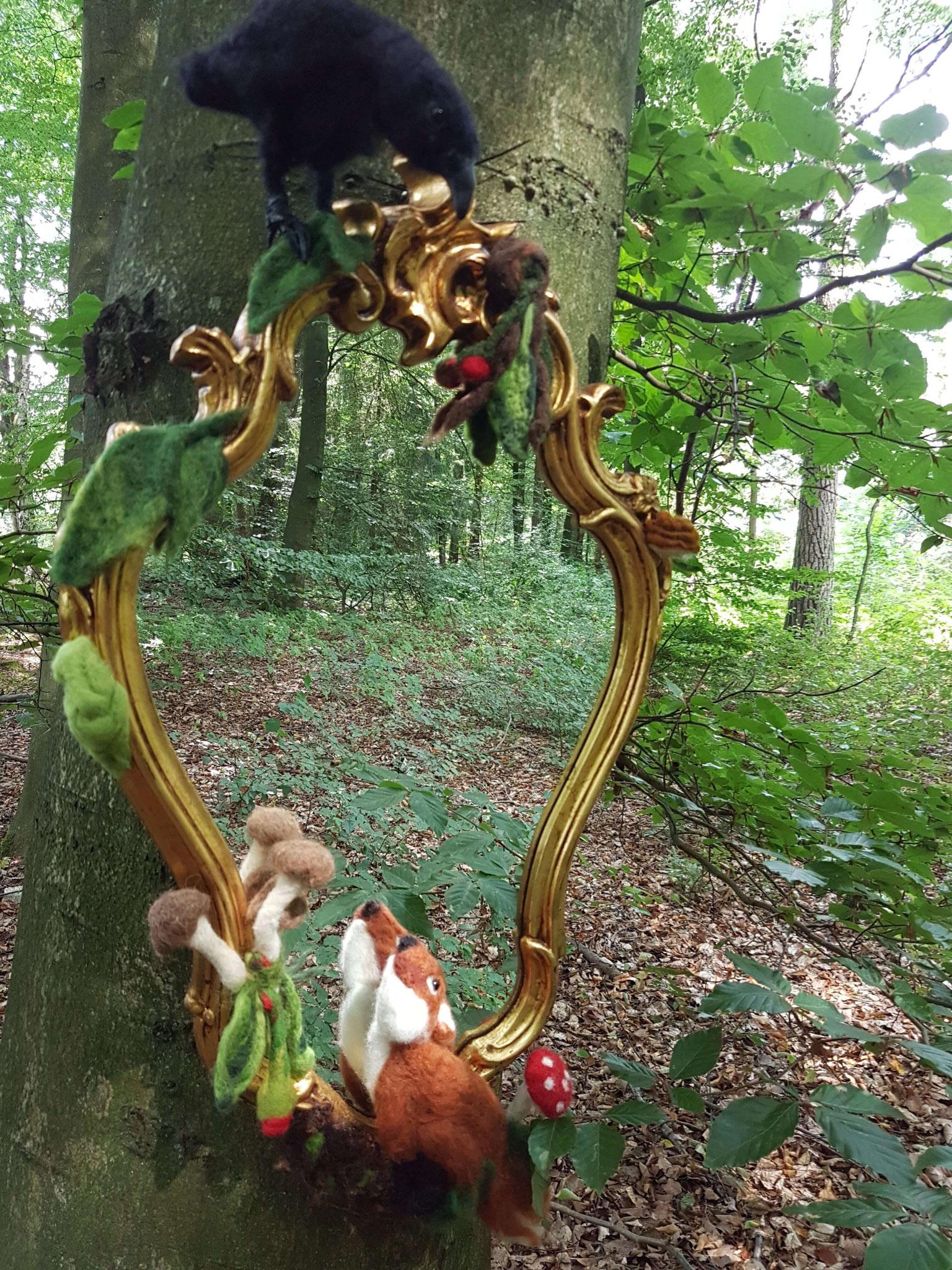 Spiegel mit Waldtieren