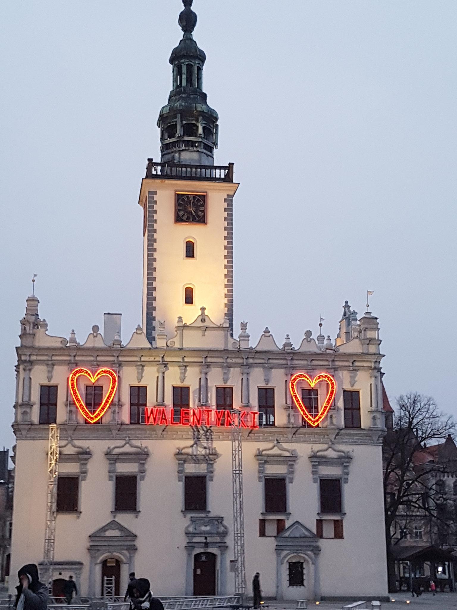 Rathaus in Chelmno am Valentinstag