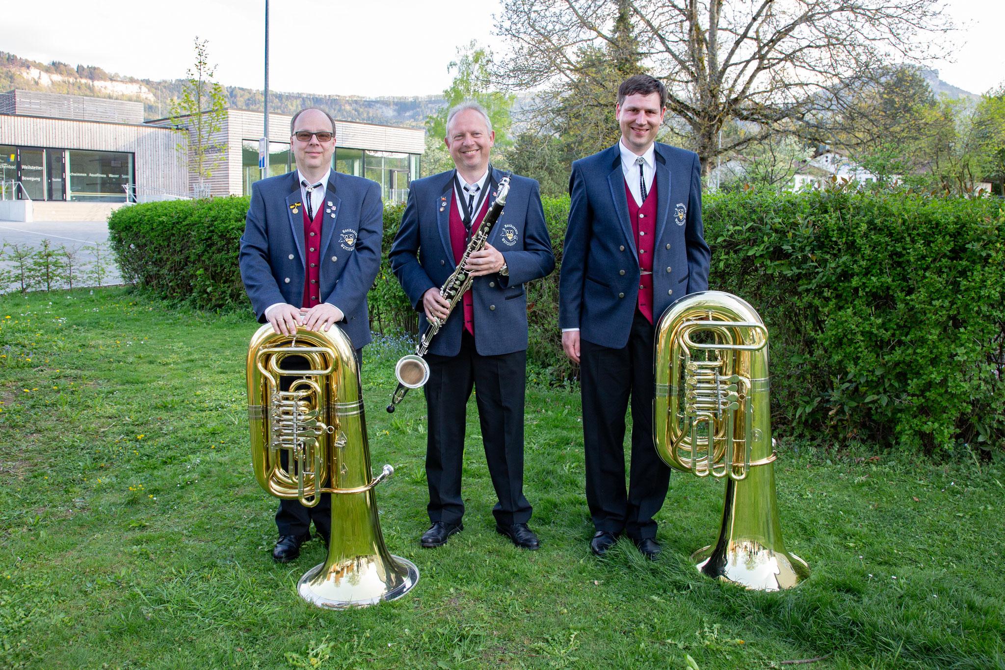Bass: Jörn Eisenhardt, Hartmut Eppler, Frank Espenlaub, (Ralf Blepp)