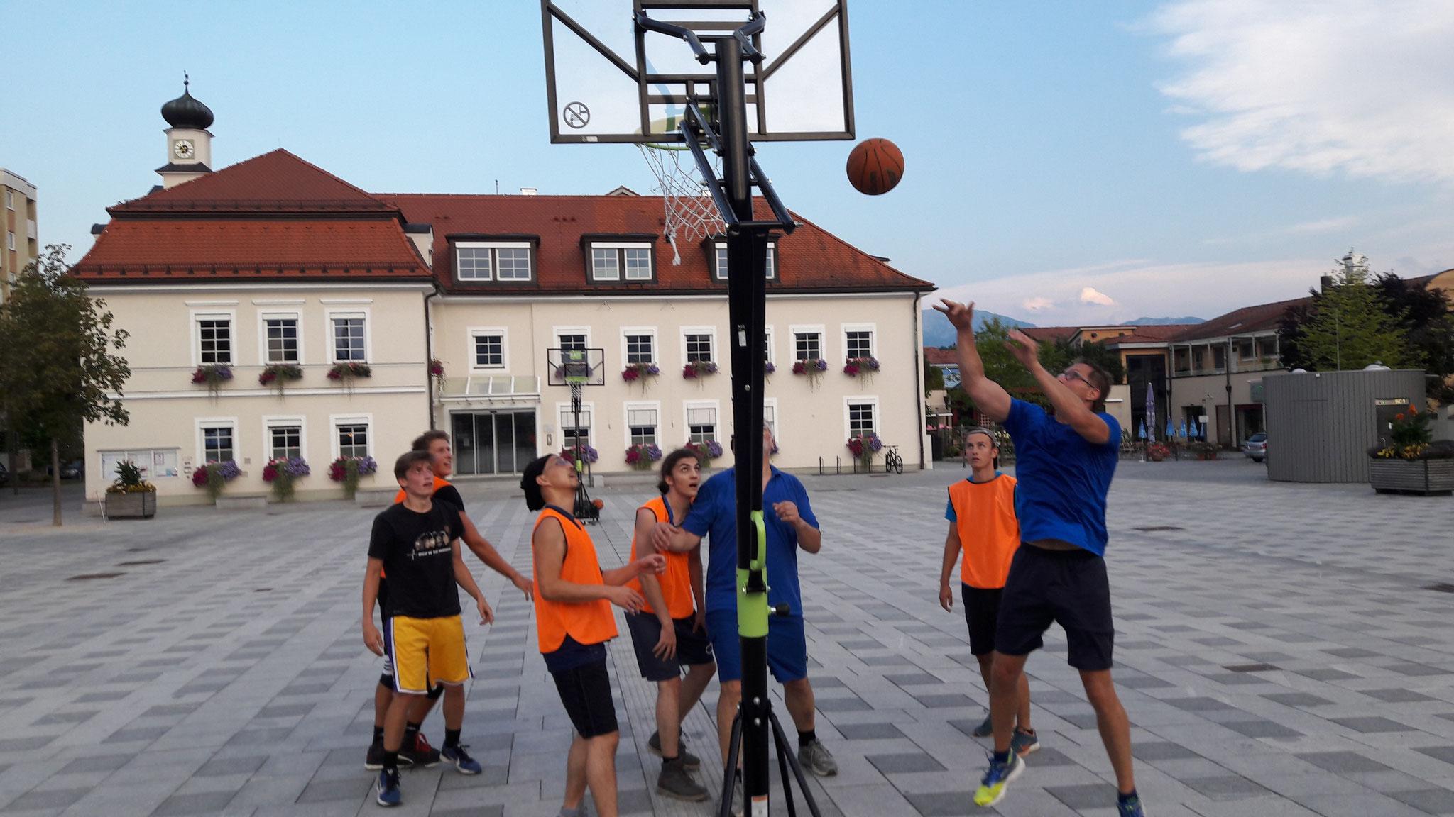 Basketball am Stadtplatz