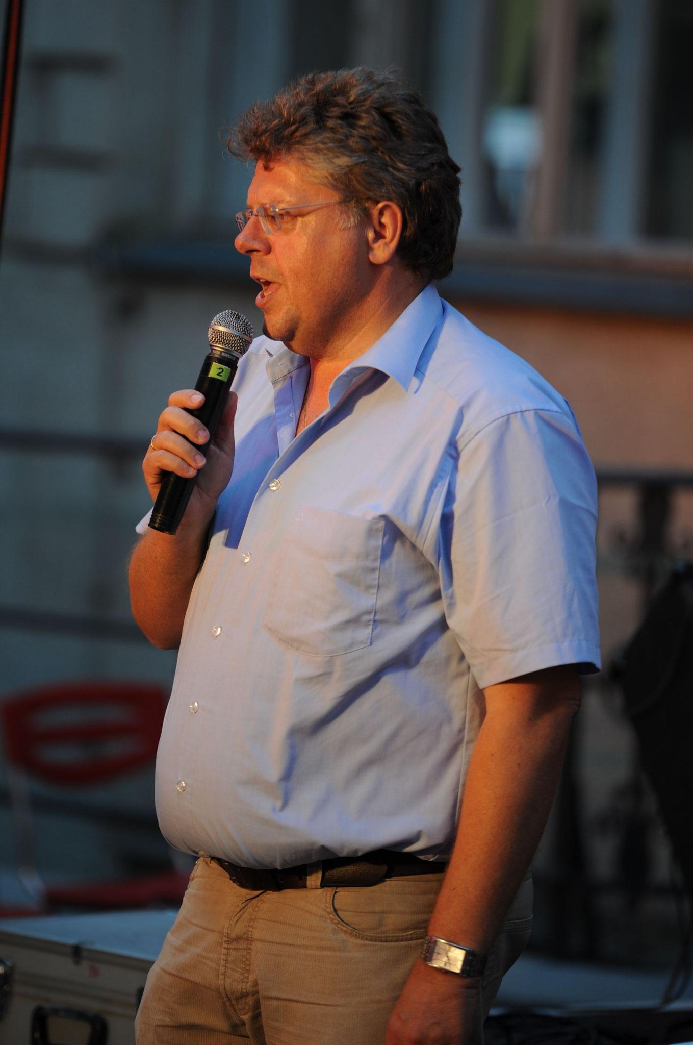 Konzerte im Bürgerhof 21.06.2012 Wolfgang Krell - Freiwilligen-Zentrum Augsburg - Foto: Philipp Rein
