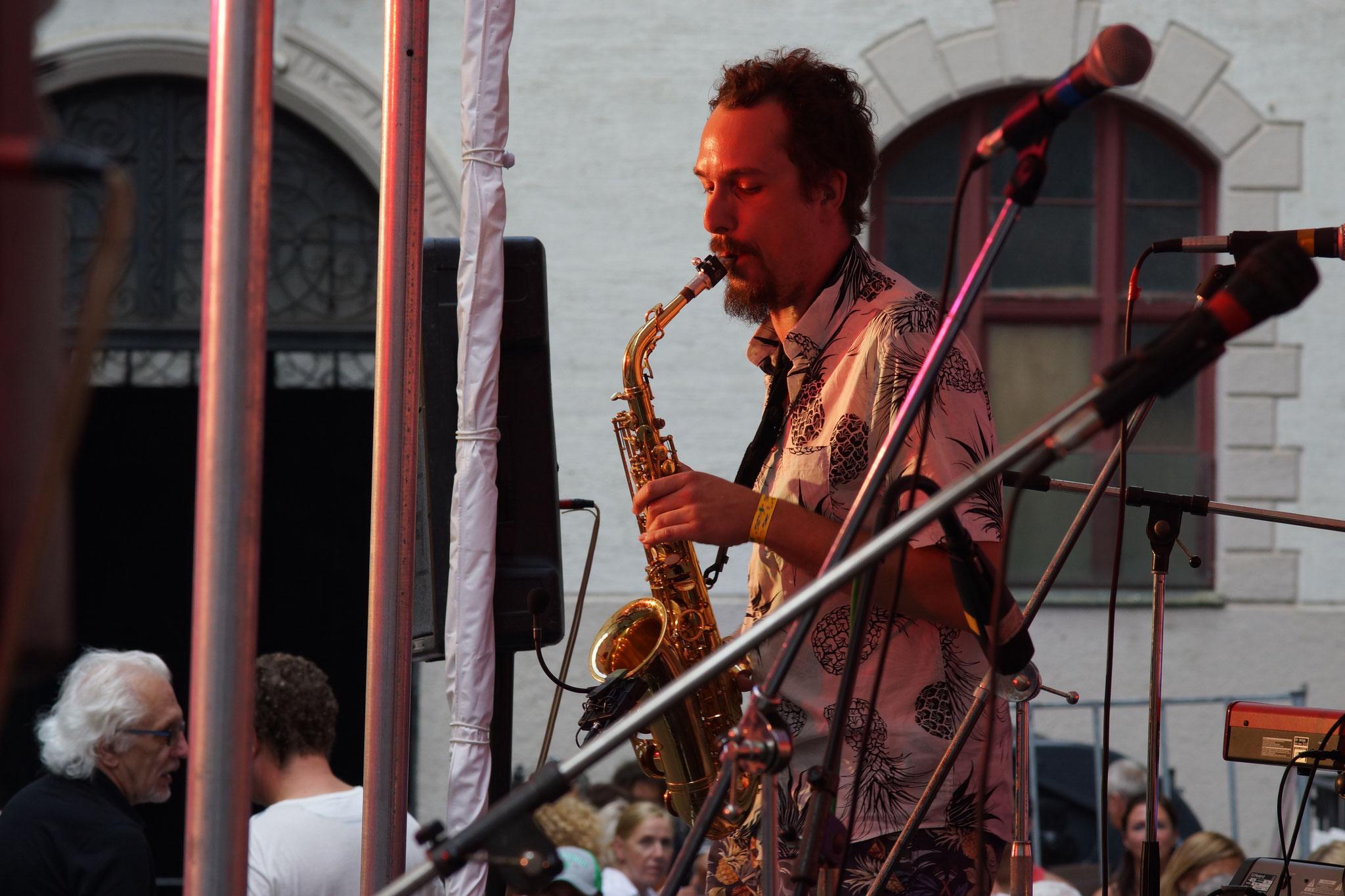 Konzerte im Bürgerhof 07.07.17 The Big Band Theory - Freiwilligen-Zentrum Augsburg - Foto: Crayfish