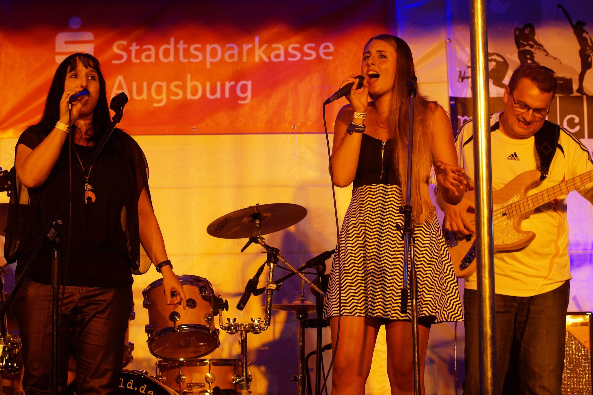 Konzerte im Bürgerhof 07.07.16 FUNplugged - Freiwilligen-Zentrum Augsburg - Foto: Crayfish