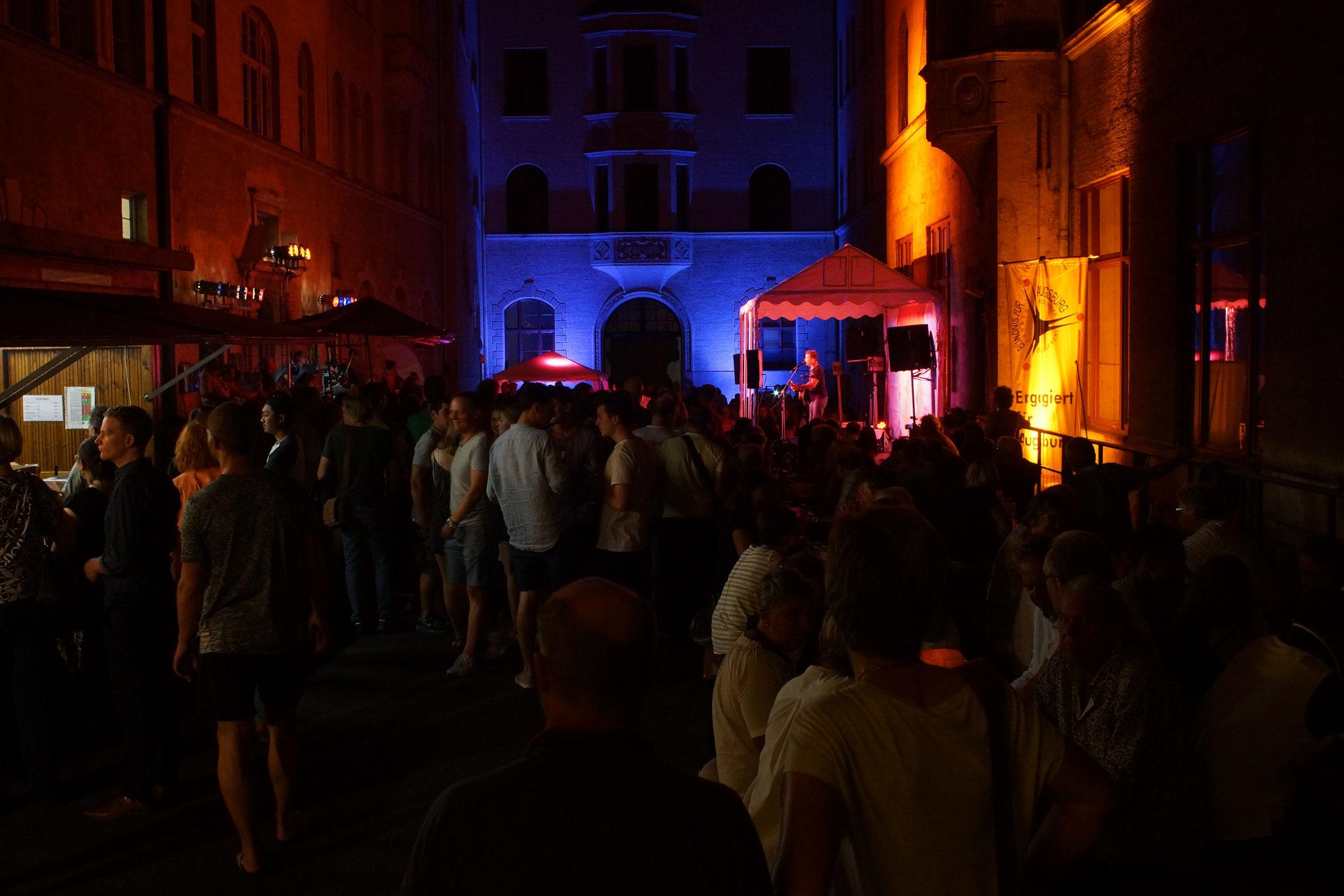 Konzerte im Bürgerhof 06.07.17 - Freiwilligen-Zentrum Augsburg - Foto: Crayfish