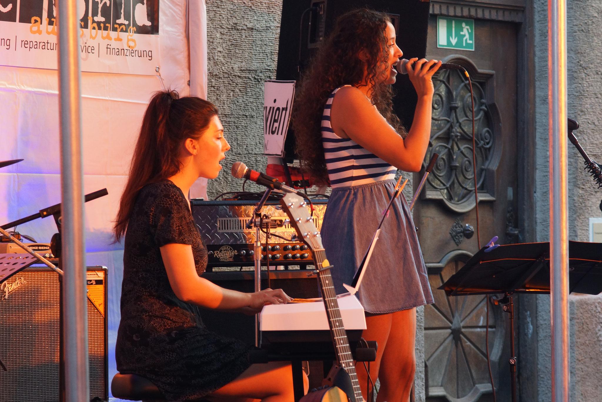 Konzerte im Bürgerhof 09.07.16 Fireflies - Freiwilligen-Zentrum Augsburg - Foto: Crayfish