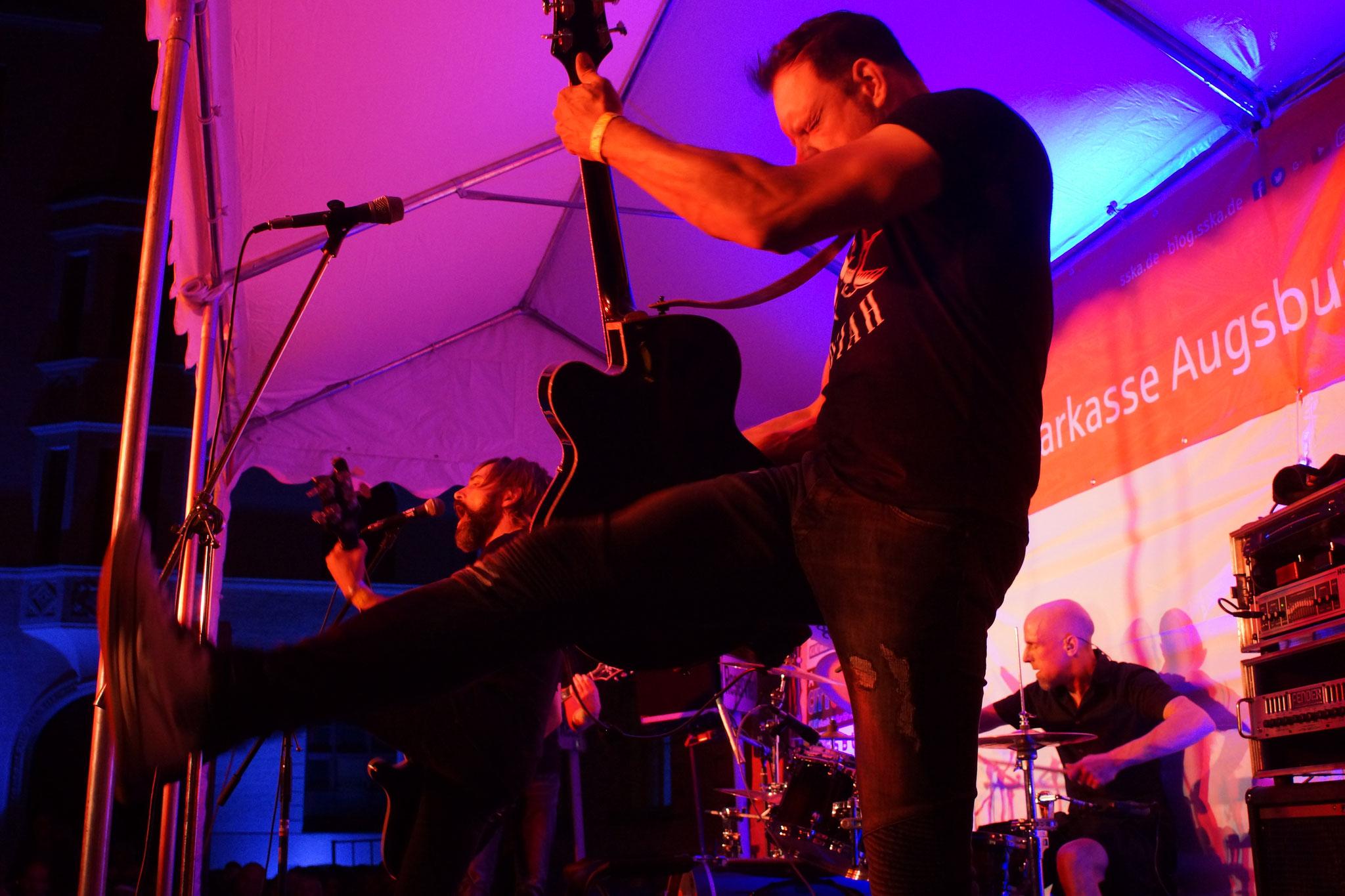 Konzerte im Bürgerhof 08.07.17 Hörstreich - Freiwilligen-Zentrum Augsburg - Foto: Crayfish
