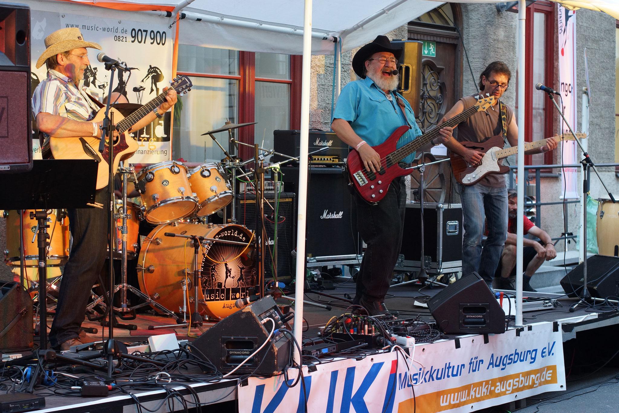 Konzerte im Bürgerhof 03.07.15 Pick up Ramblers - Freiwilligen-Zentrum Augsburg - Foto: Crayfish